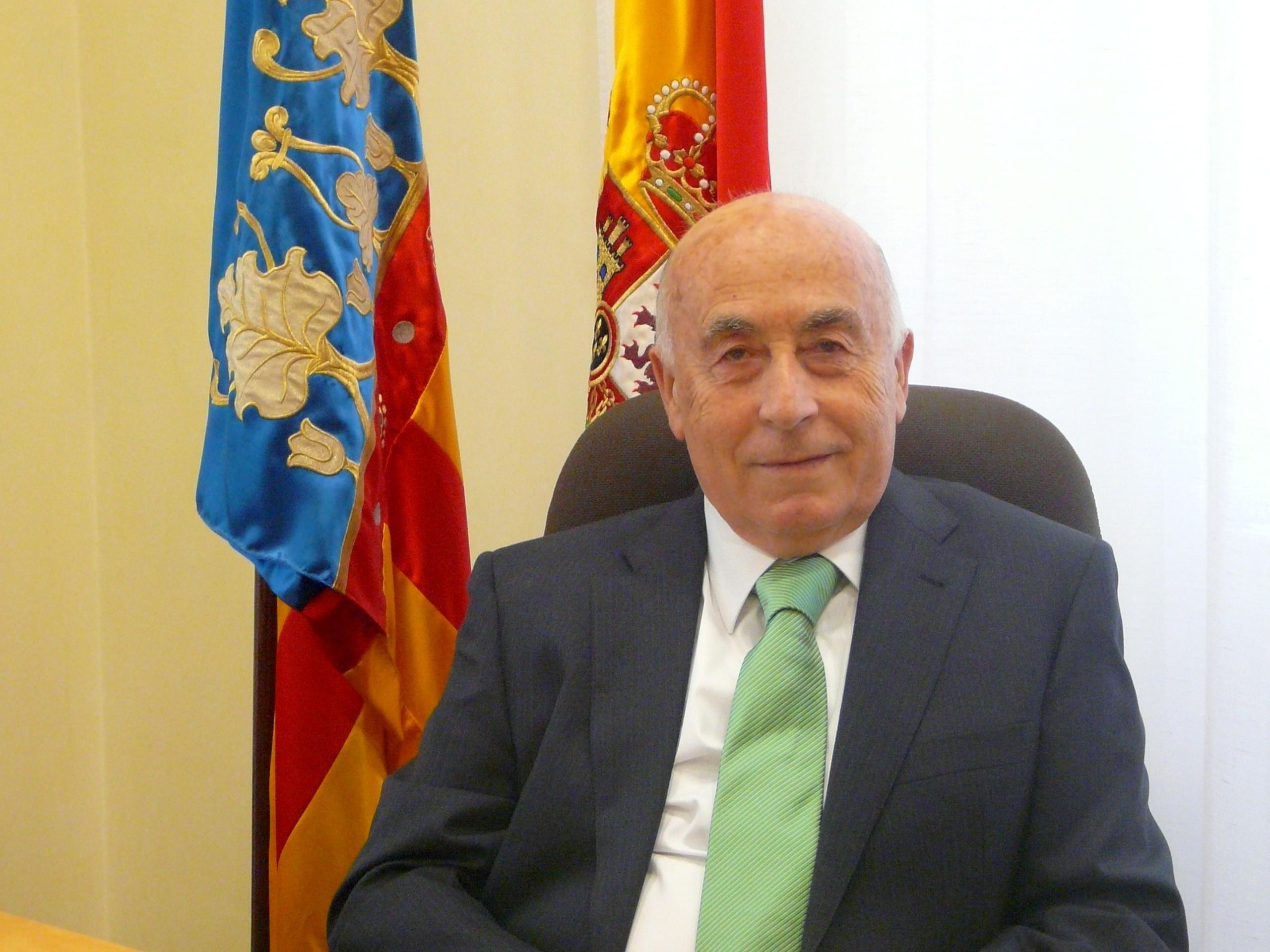 El Síndic de Greuges pide al Ayuntamiento de Sant Joan retirar una antena «ilegal» de telefonía móvil