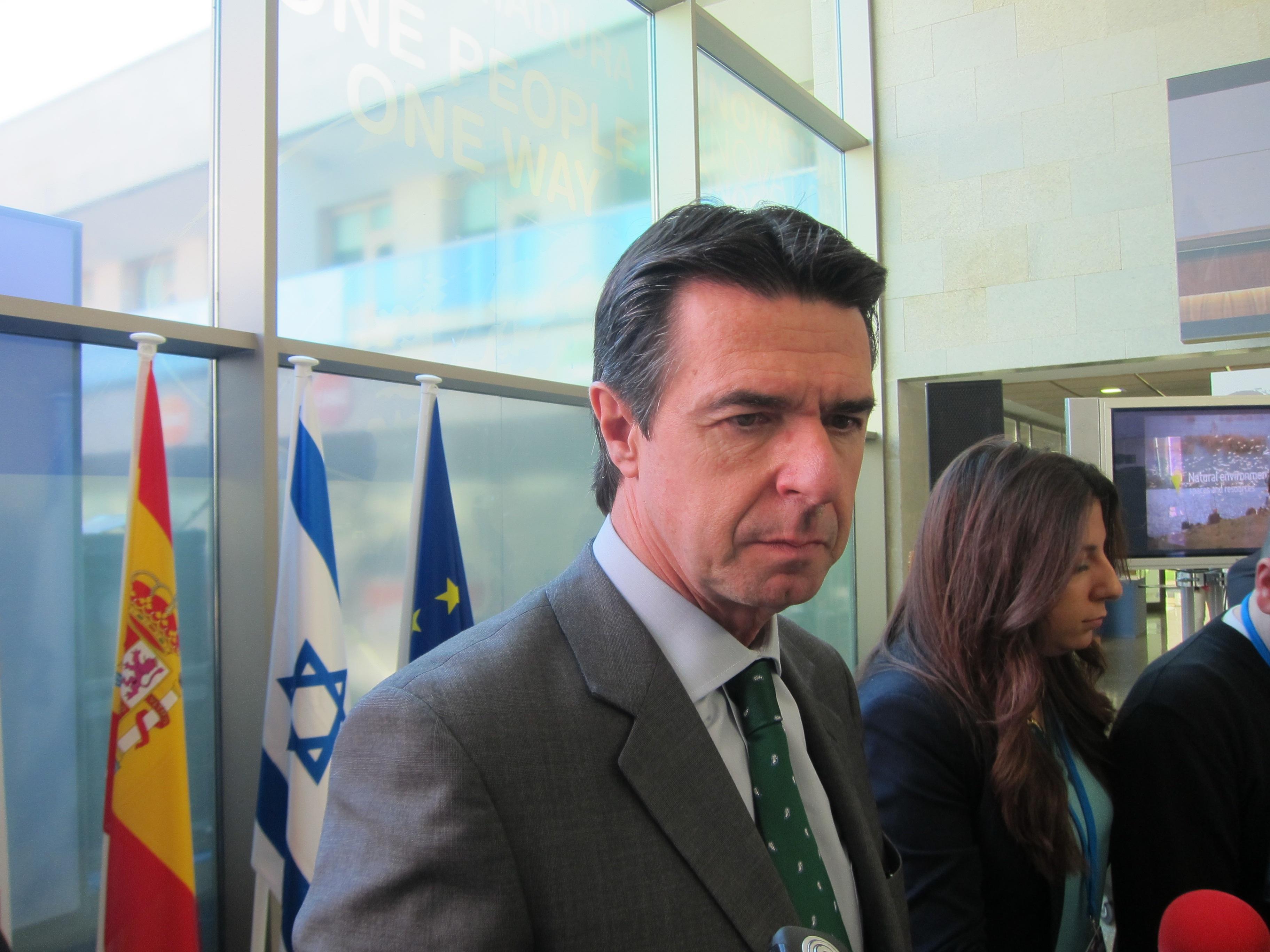 Soria intentará que Almunia «no tome la decisión anunciada» sobre los »tax lease»