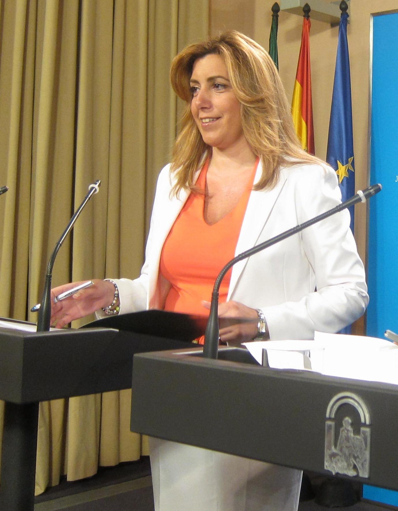 Susana Díaz, la apuesta de Griñán, tiene el apoyo de la maquinaria del PSOE-A