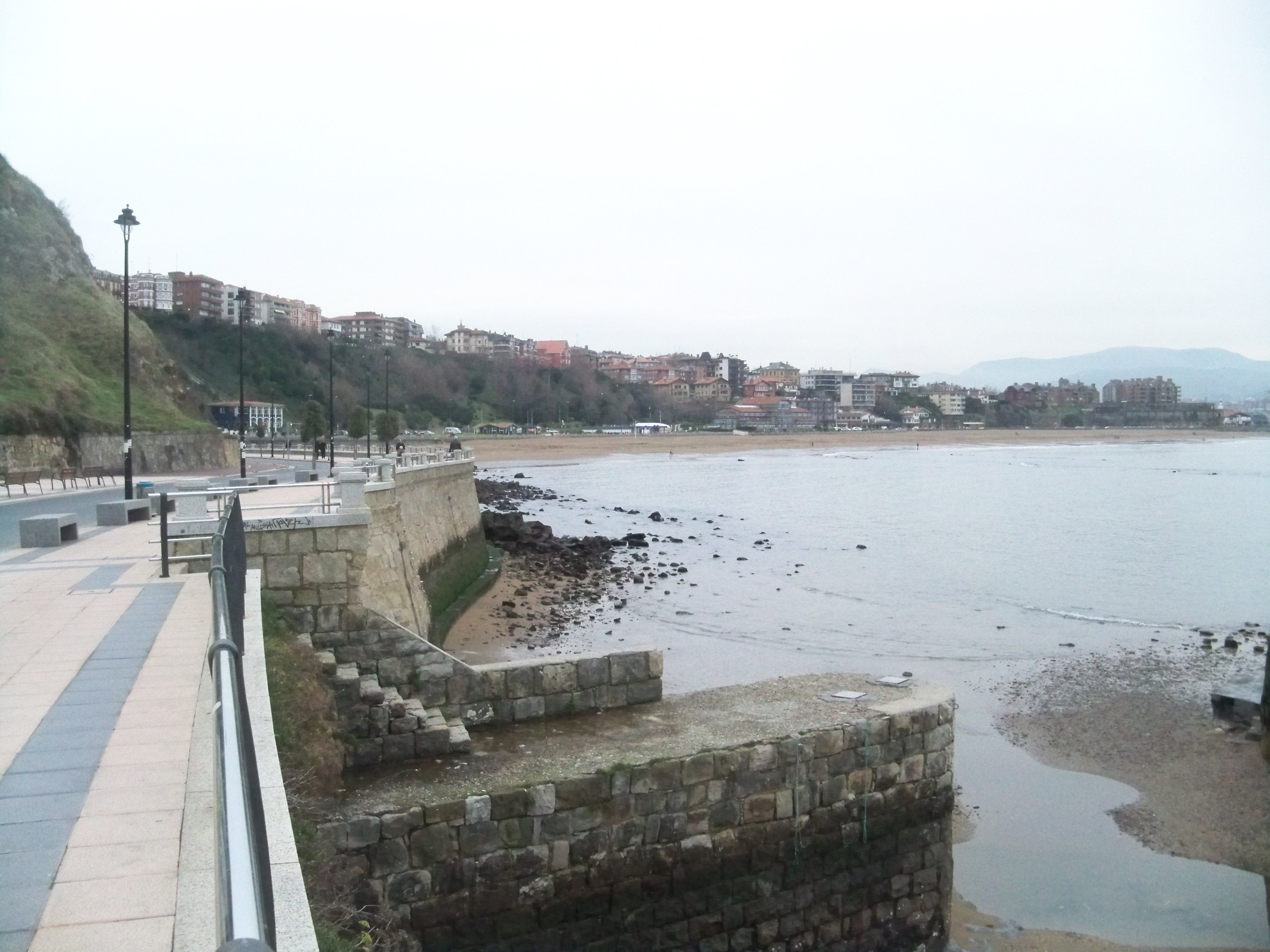 Todas las playas de Bizkaia exhiben bandera verde, excepto nueve que aconsejan baño con precaución