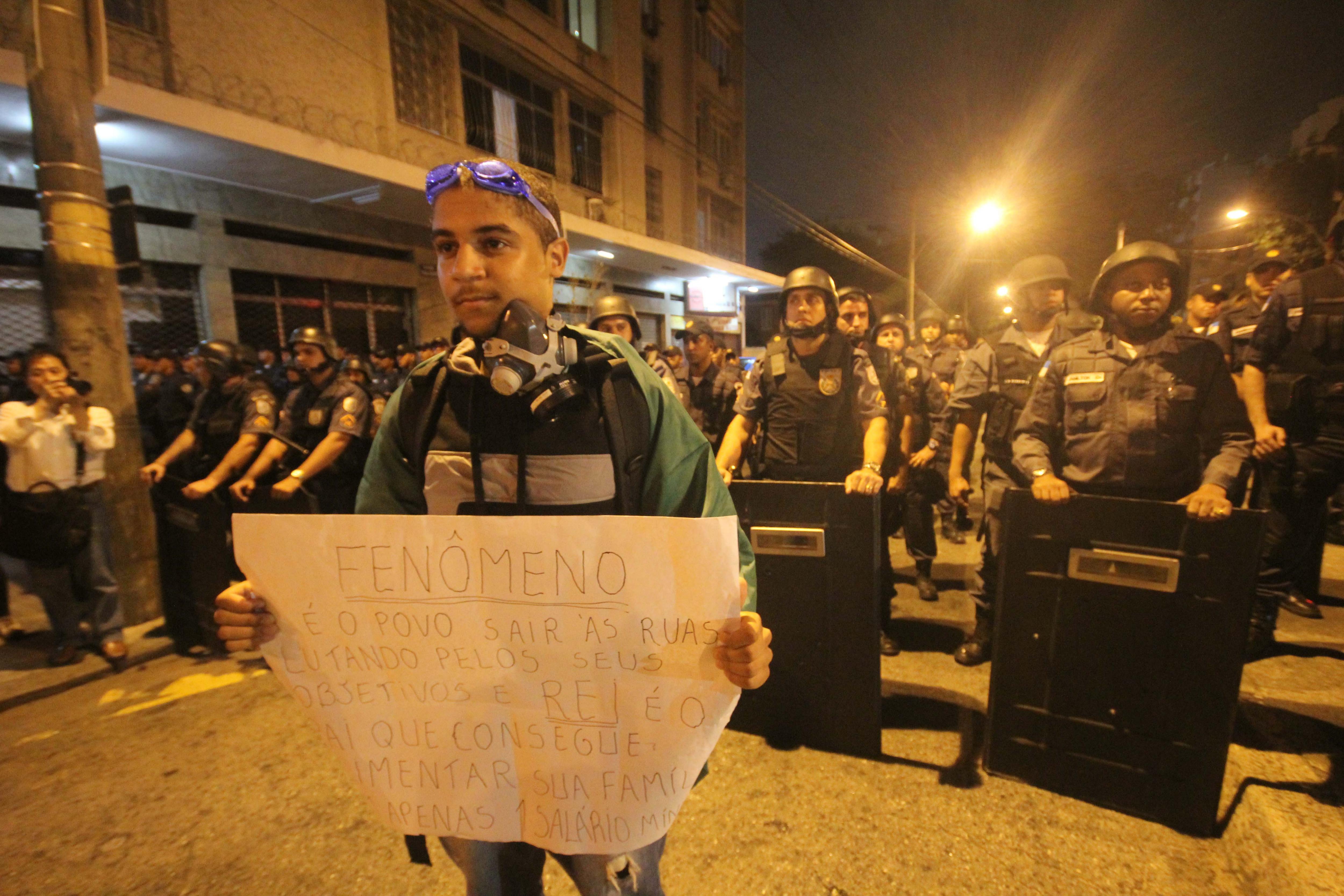 Los camioneros brasileños se suman a las protestas con una huelga de 72 horas