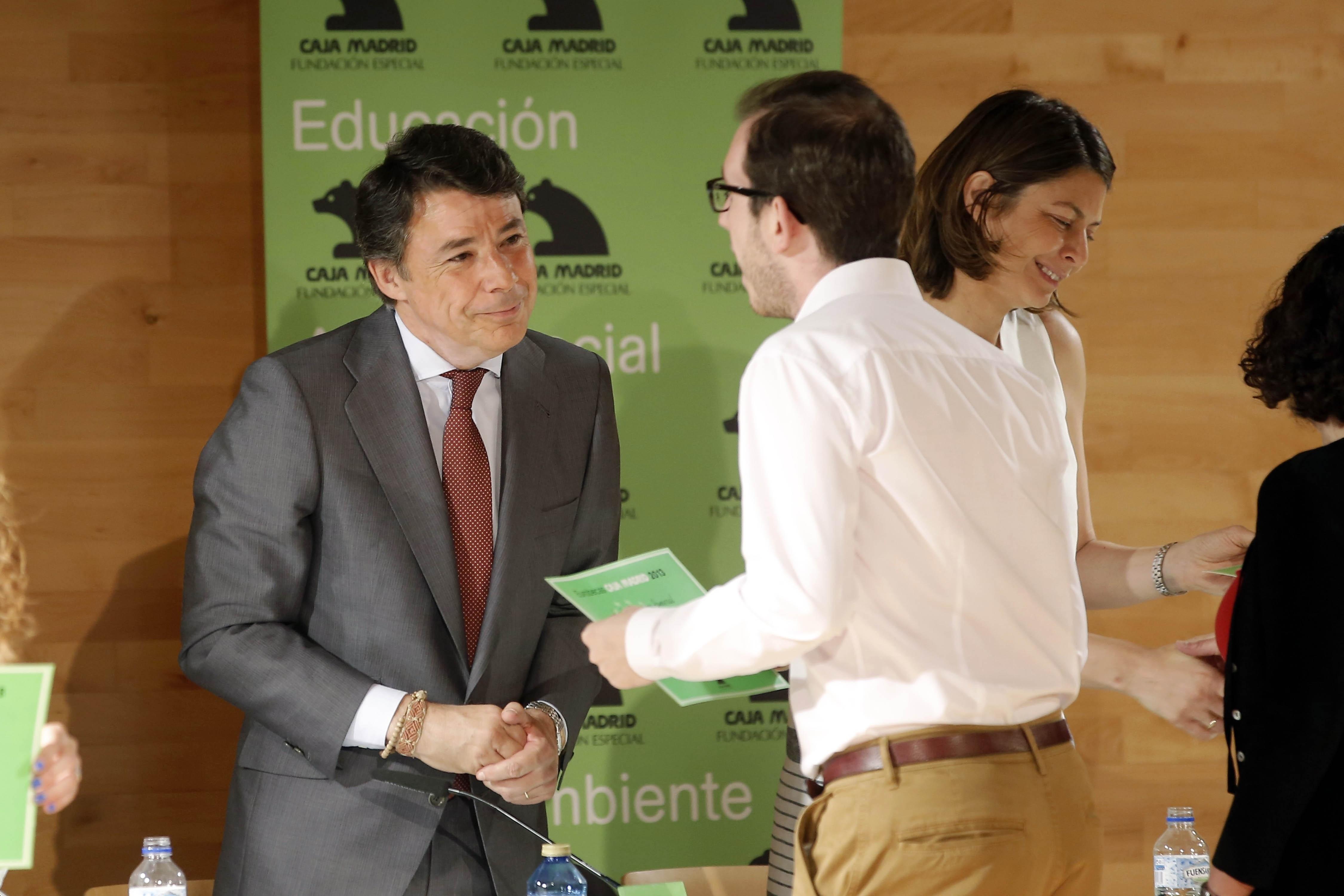 Un total de 128 jóvenes españoles reciben una beca de la Fundación Especial Caja Madrid en la edición 2013