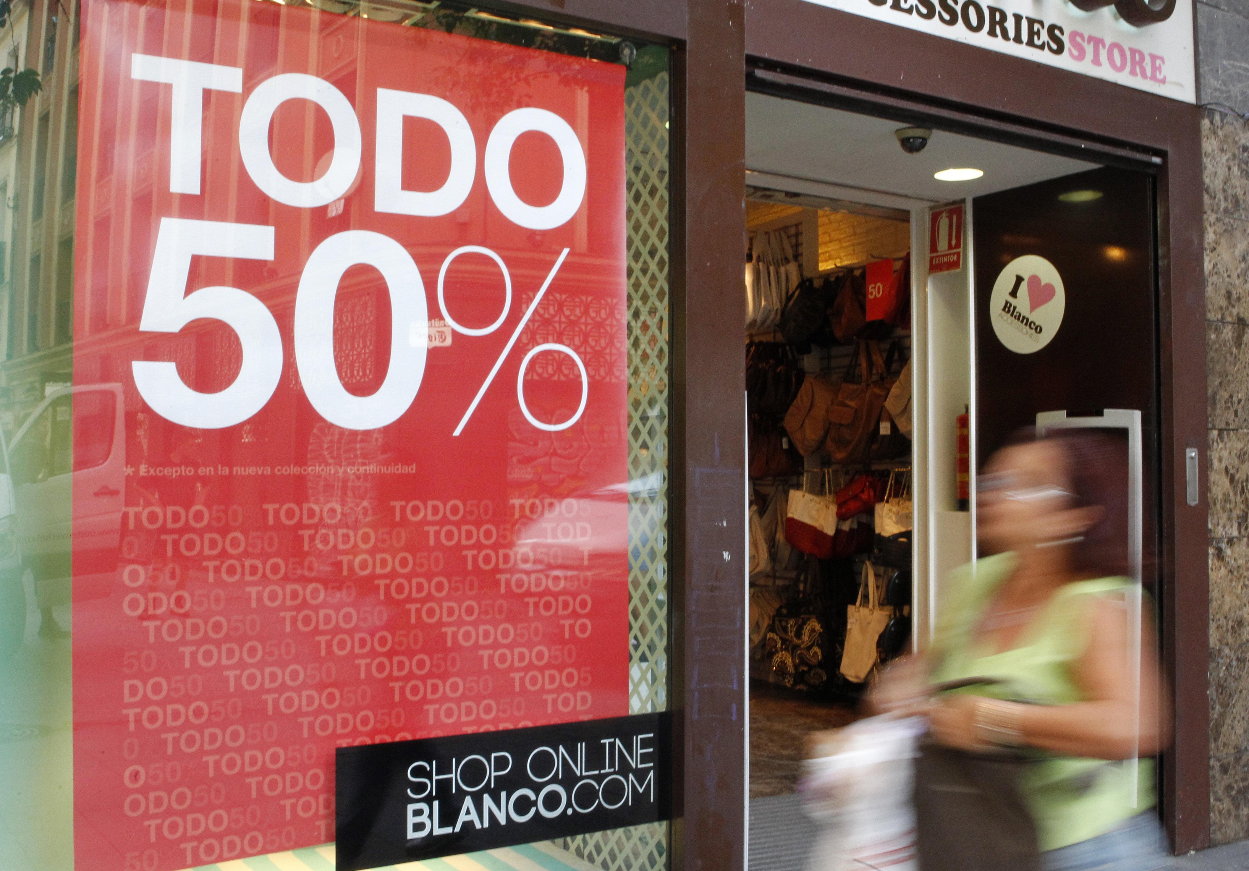 Los españoles gastarán una media de 72 euros en rebajas, el 20 por ciento más que en 2012