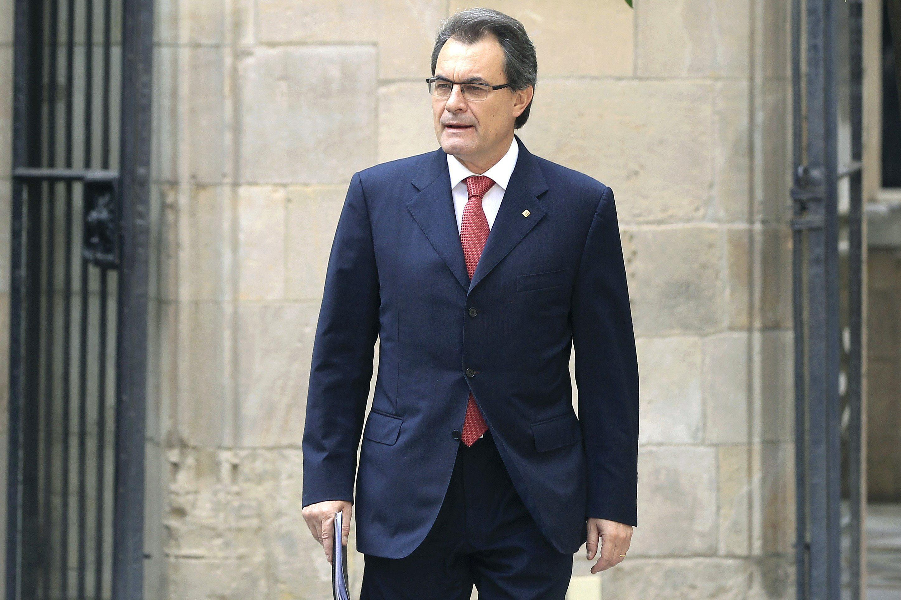 La Razón afirma que Artur Mas paga 1,4 millones en dos años a los organizadores del concierto independentista