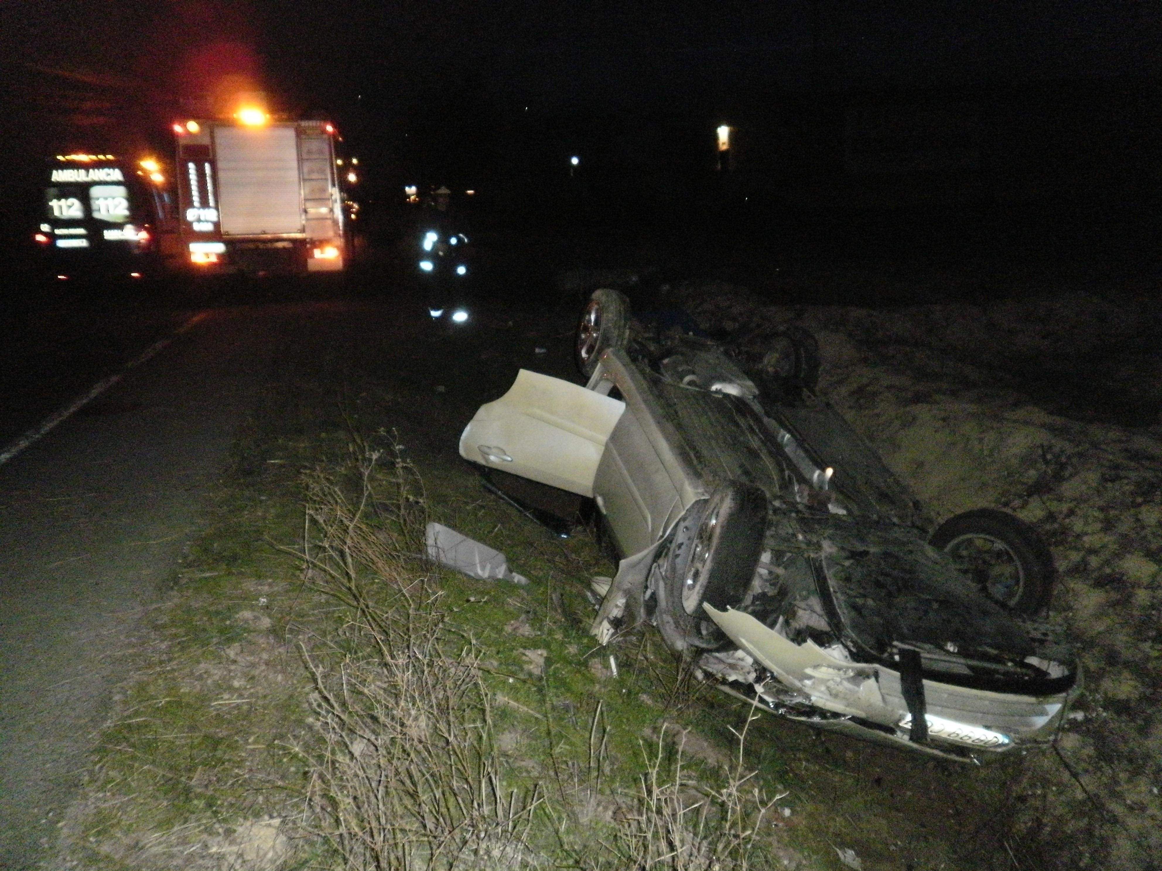 El 061 atendió a 79 personas por 64 accidentes de tráfico registrados el fin de semana en Galicia, de las que 2 murieron