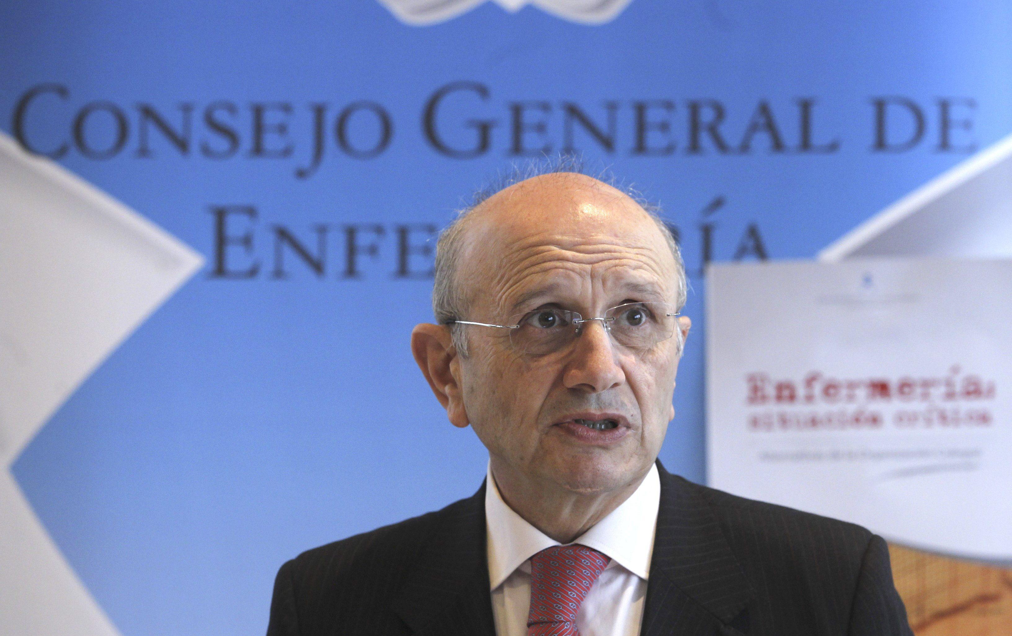 El presidente del Consejo de Enfermería dice que «ni PP ni PSOE tienen voluntad política para un pacto»