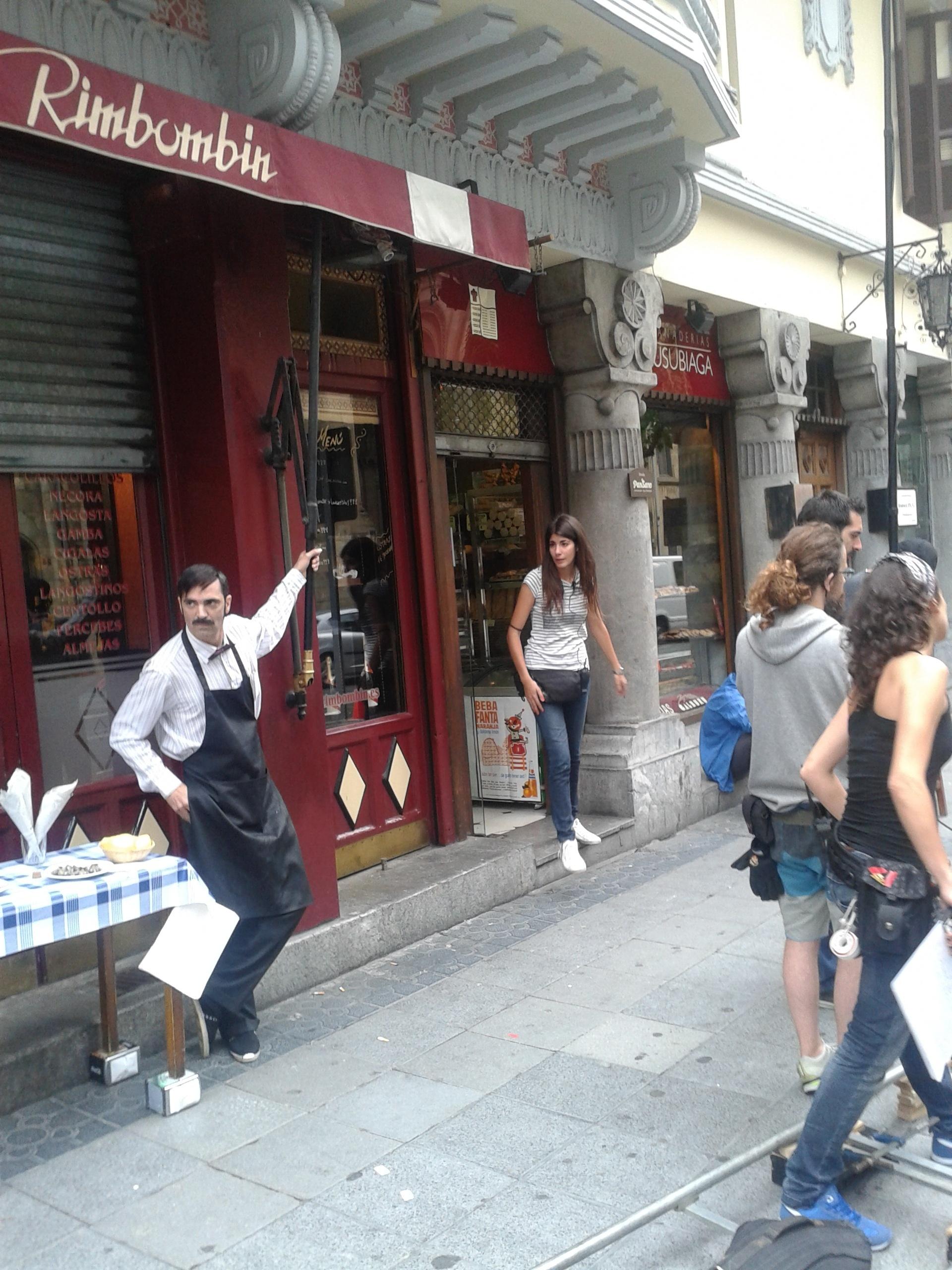 Un histórico restaurante de Bilbao, escenario del rodaje de una secuencia del film «Tres Mentiras»