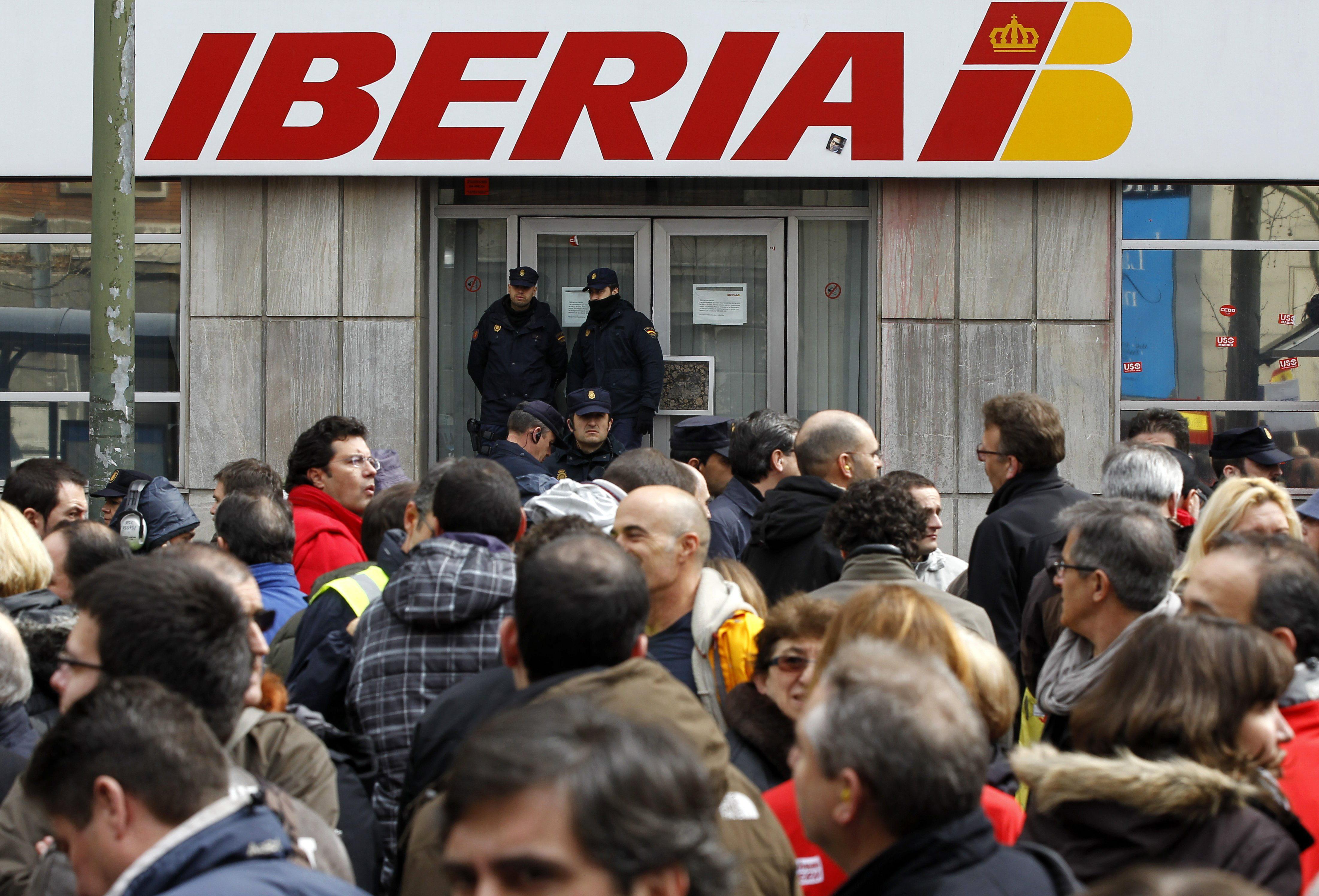 La Audiencia Nacional avala los 3.141 despidos en Iberia pese a ser una «tragedia nacional»