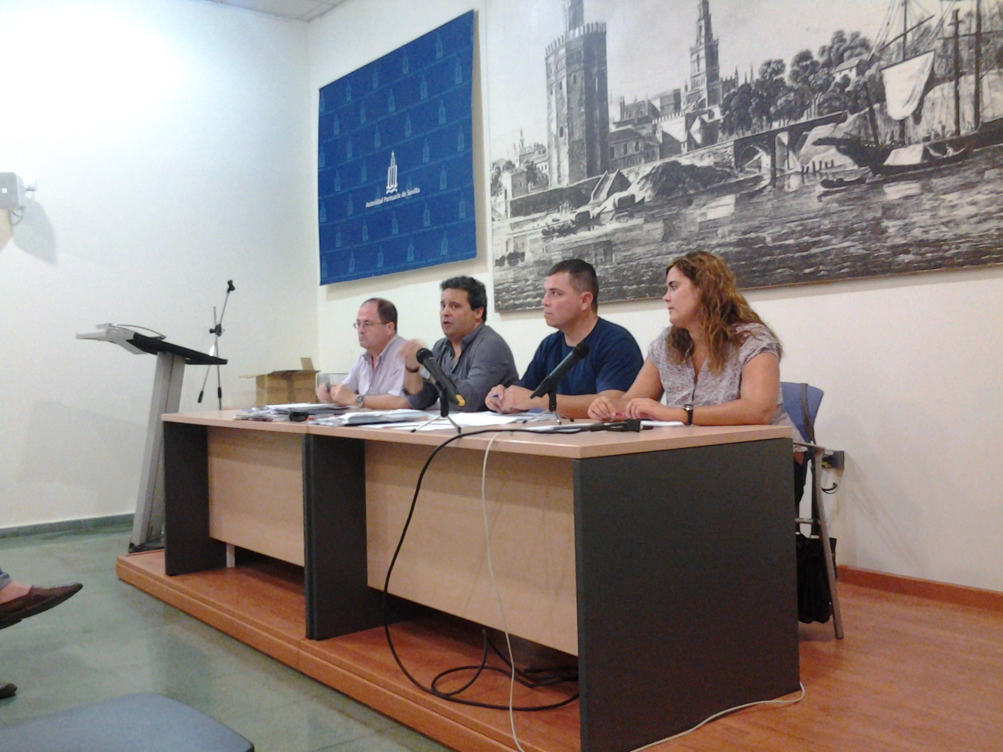 CCOO reclama a Montoro que «se involucre» en el dragado con «inversiones» para aplicar la DIA