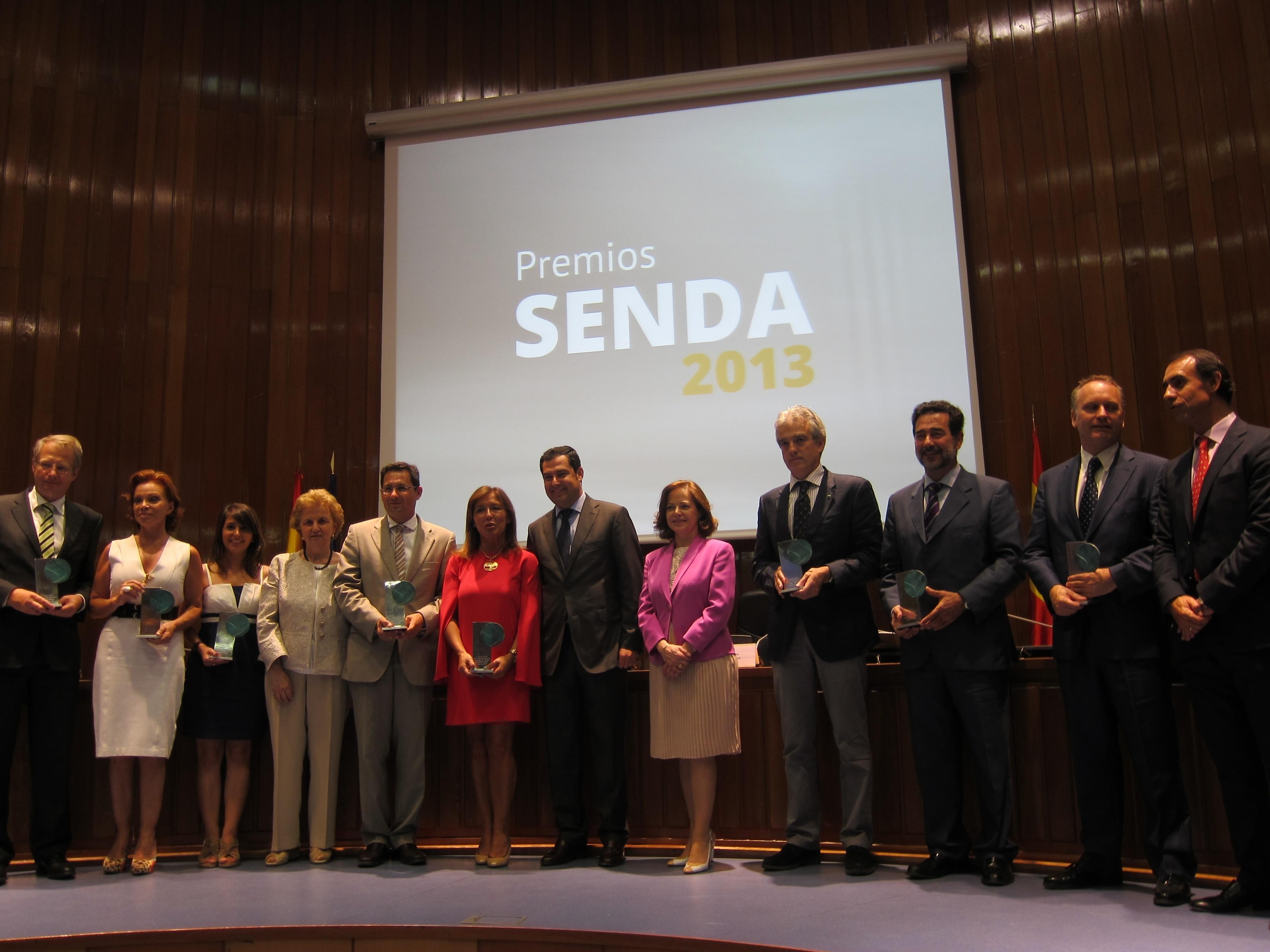 El Grupo Senda entrega los premios de Honor y Senior del Año al Padre Ángel y a Paloma San Basilio por su trayectoria