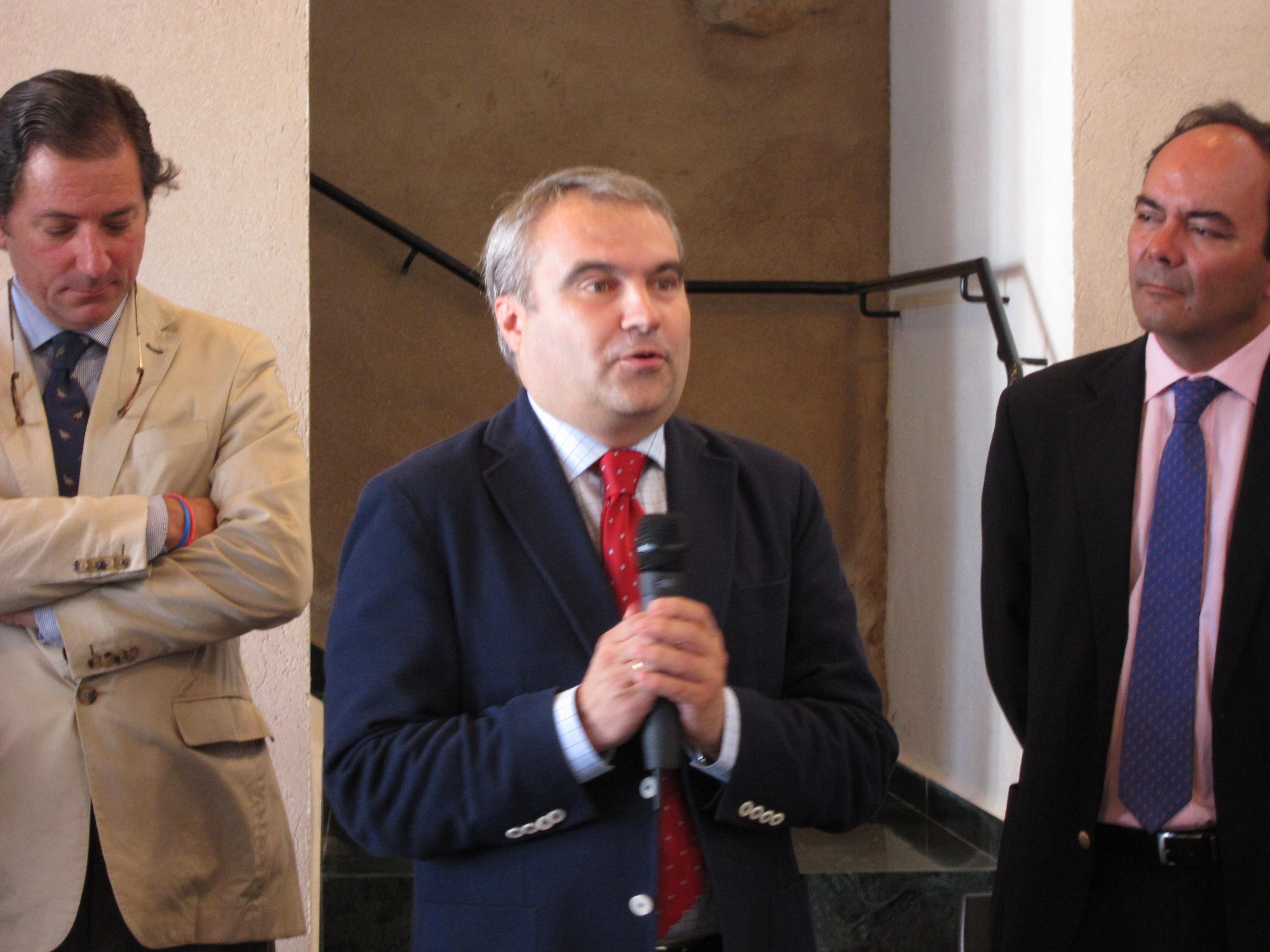 El alcalde de Badajoz confirma que a partir de este jueves se deja de cobrar por la tasa de la bolsa de empleo