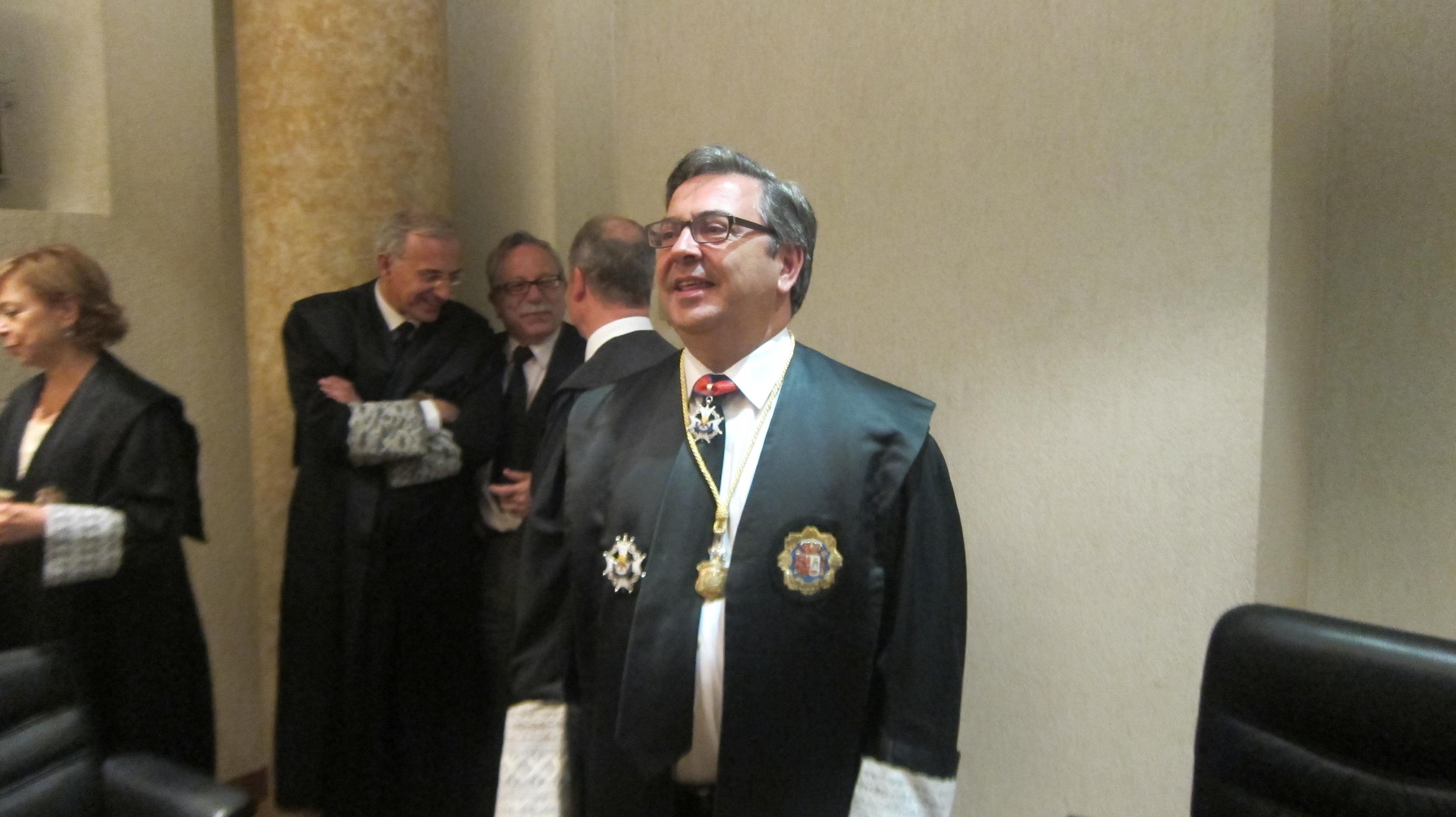 El nuevo fiscal provincial reclama medios a González al afirmar que las «penurias» perjudican a la ciudadanía
