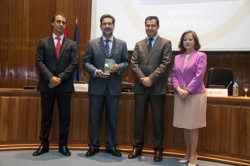 El Balneario de Archena recibe el Premio »Senda Ocio y Turismo» en la categoría senior
