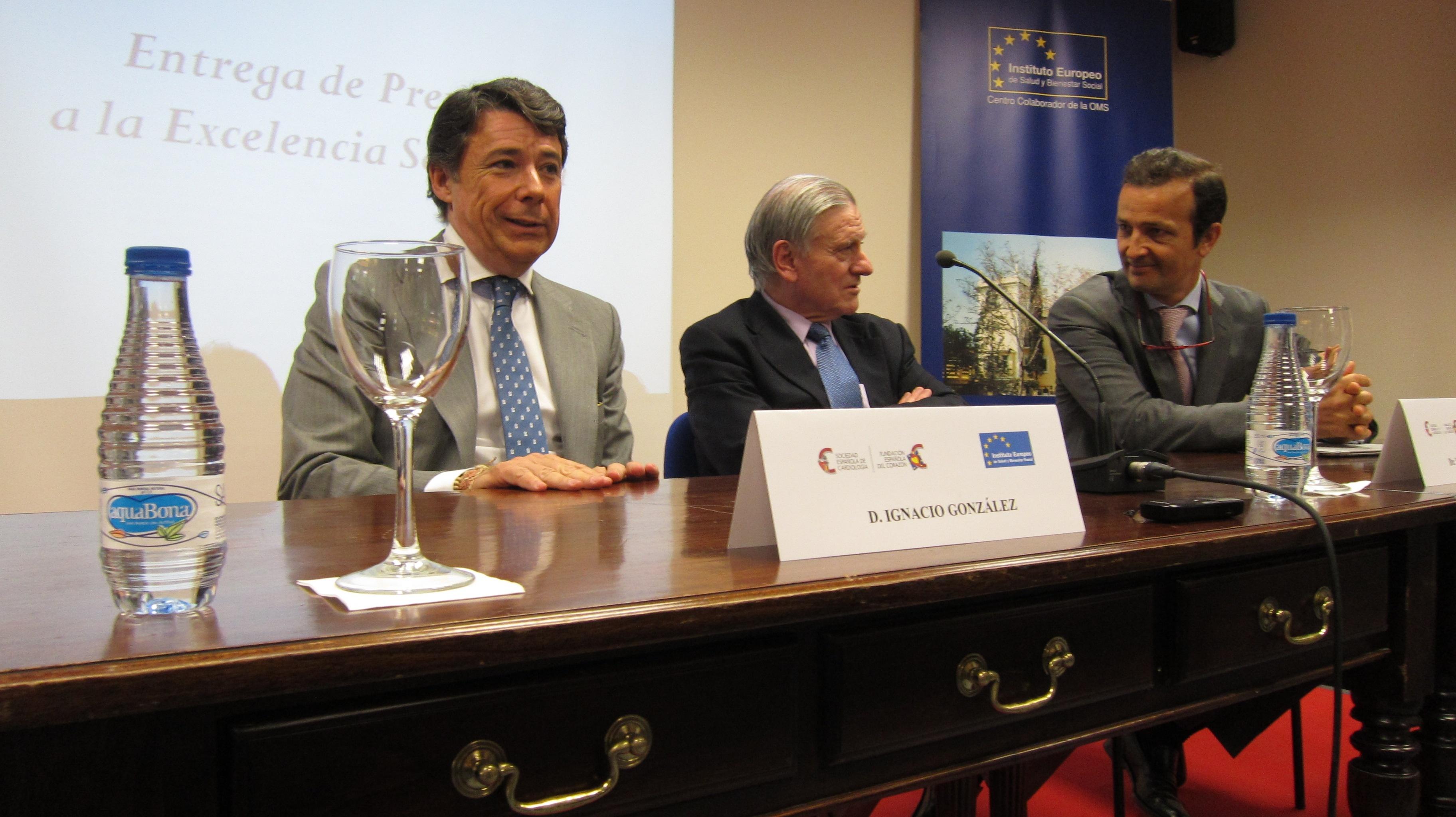 Ignacio González asegura que sólo aprovechando los recursos públicos y privados se garantizará la asistencia