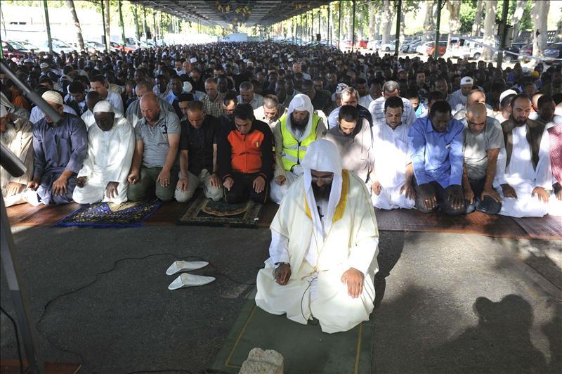 Empieza el Ramadán en el mundo islámico para ganar paciencia y humildad