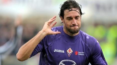 Luca Toni firma por un año con el modesto Hellas Verona