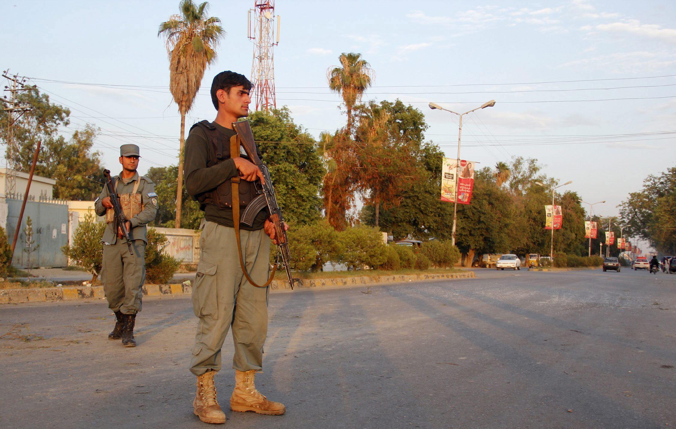 Mueren 8 personas en un ataque suicida en la frontera entre Afganistán y Pakistán