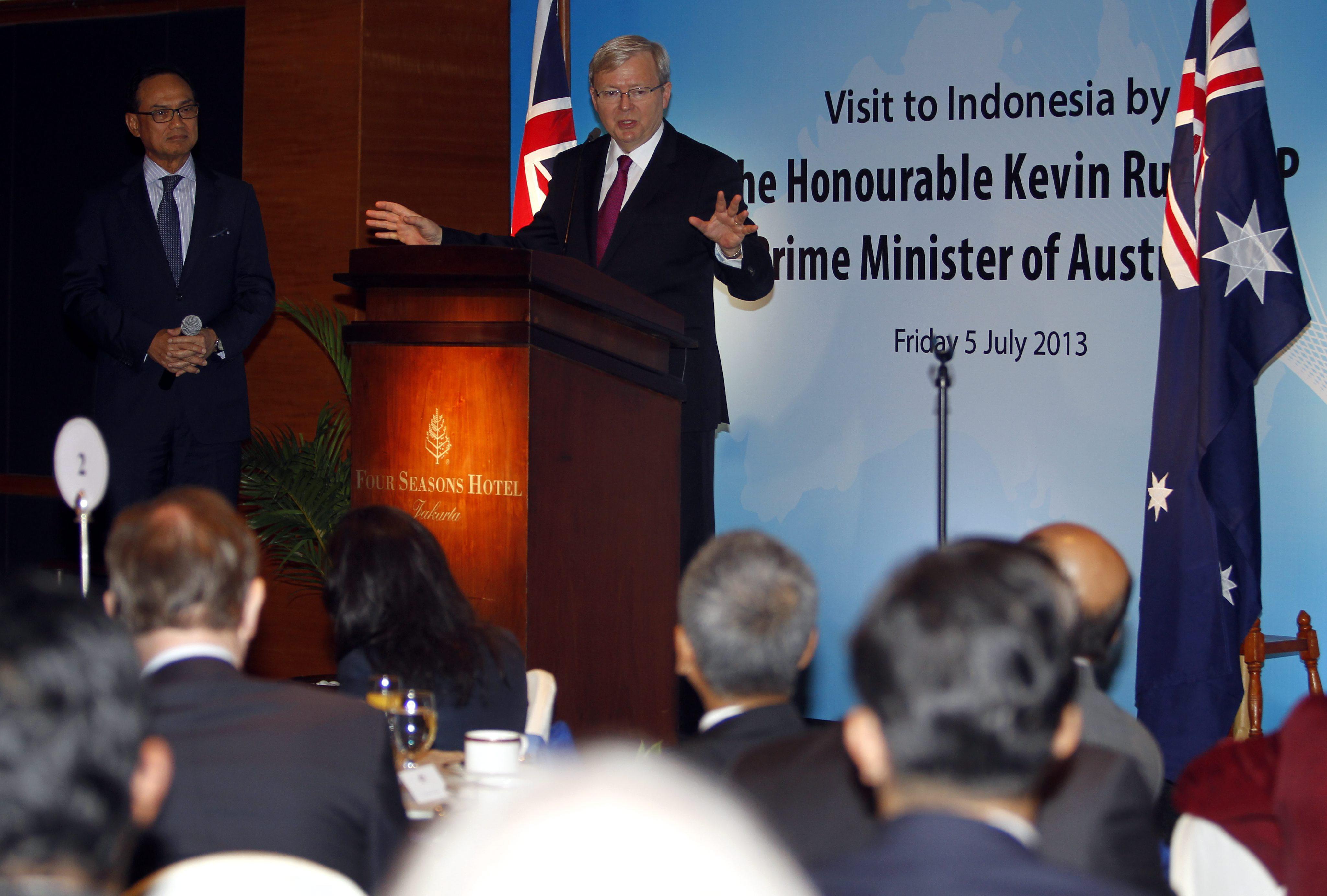 El primer ministro australiano aborda el comercio y la inmigración en Indonesia