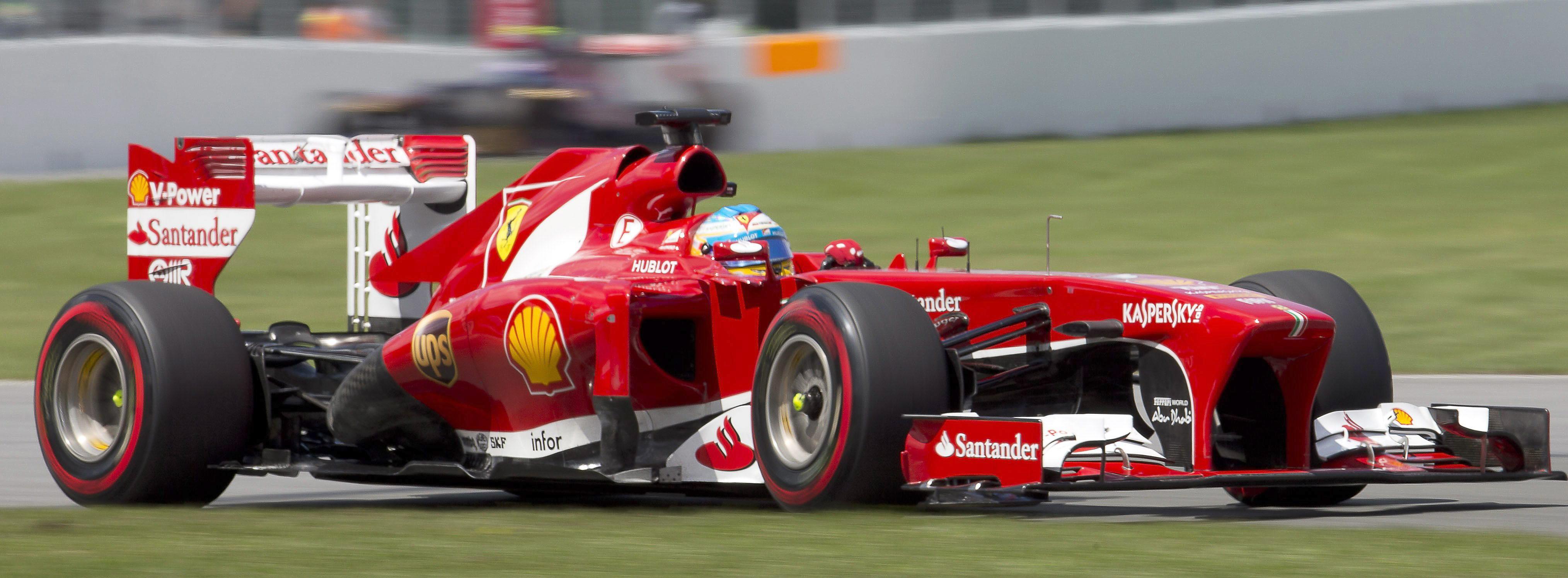 Mercedes manda en la primera sesión y Alonso no puede completar ni una vuelta
