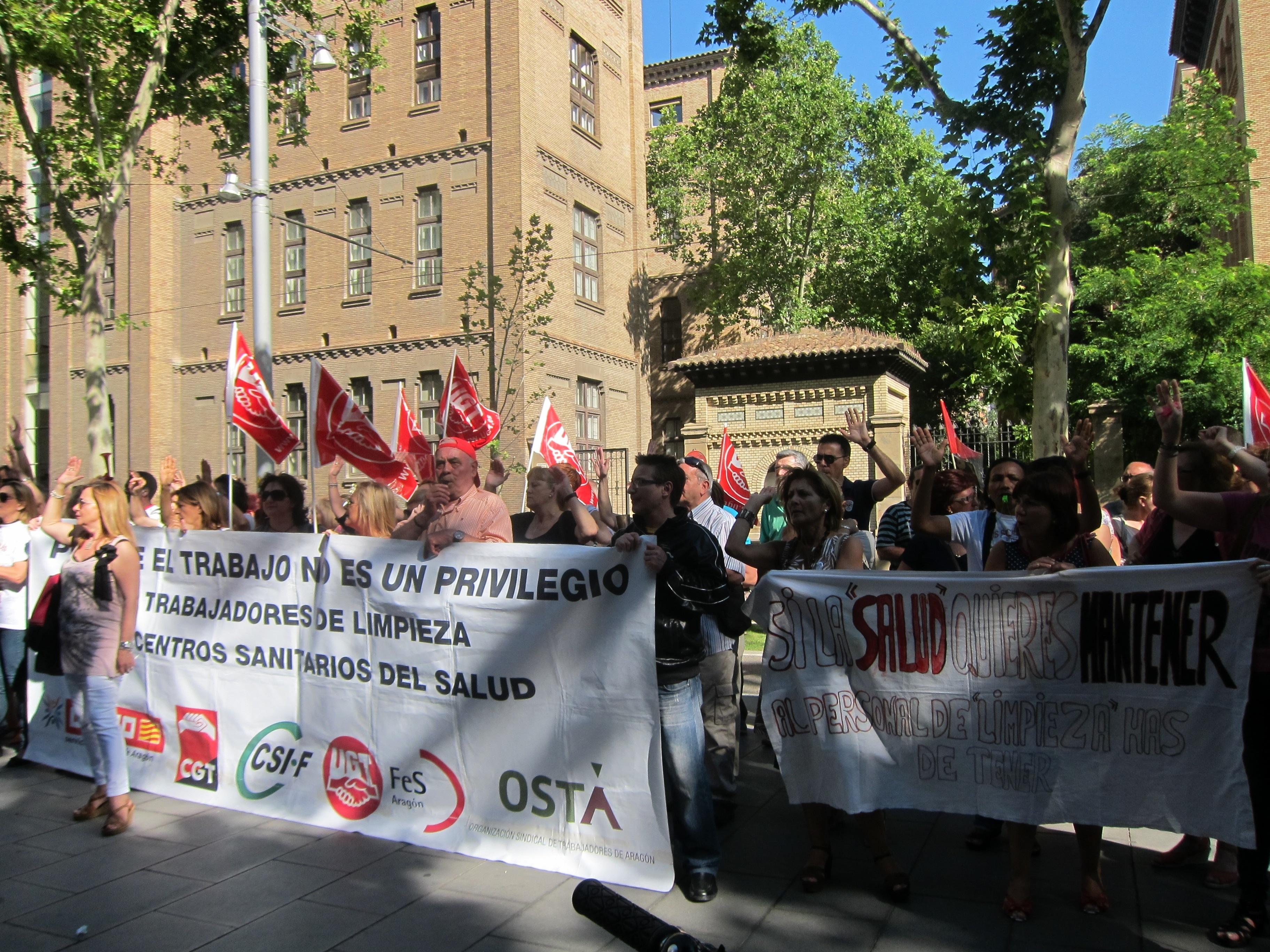 Los trabajadores de limpieza de los centros del Salud votarán si aceptan la propuesta del SAMA y ponen fin a la huelga