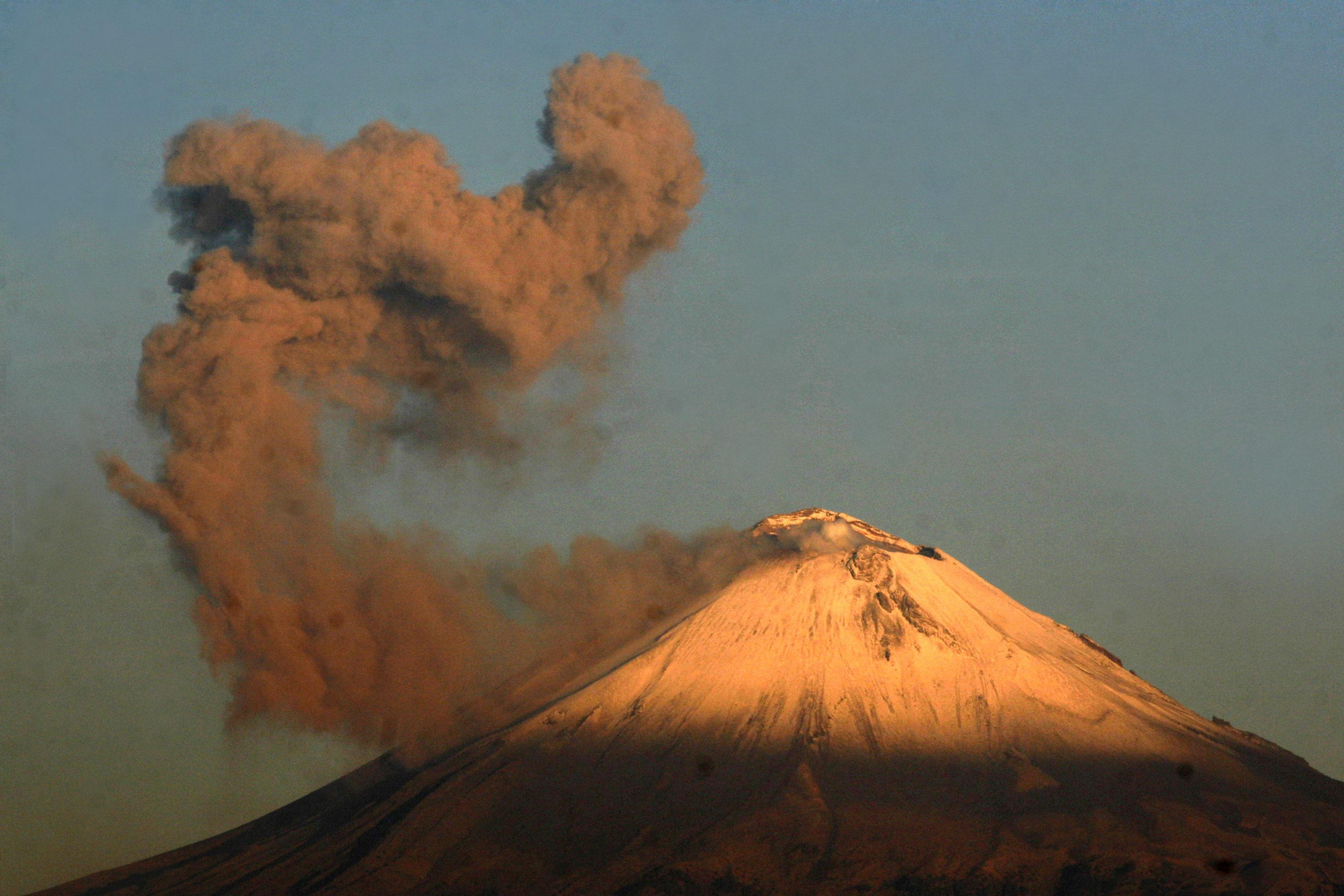 47 vuelos de aerolíneas de EE.UU se cancelan debido al Popocatépetl
