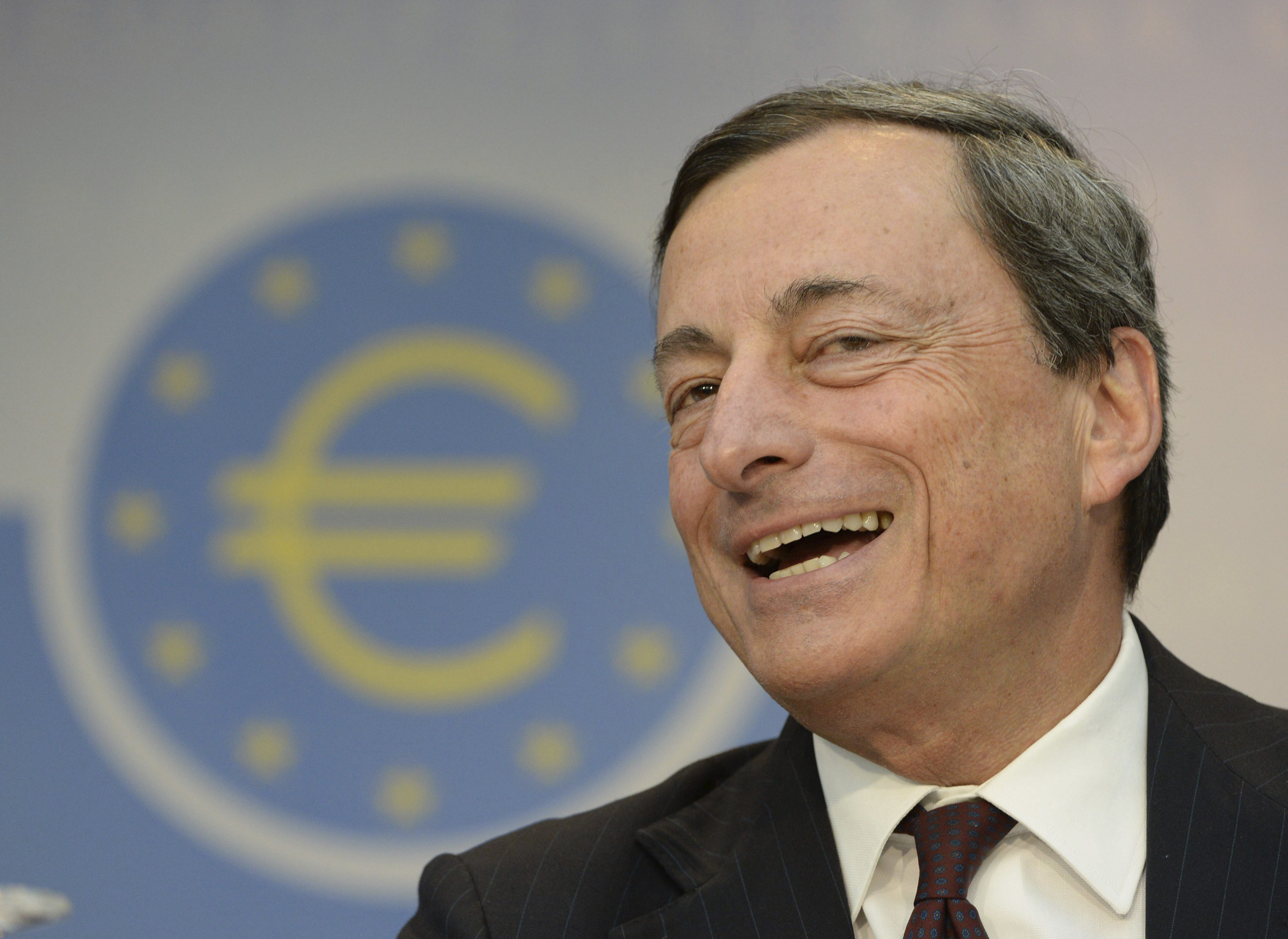 Draghi le hace una faena a los bancos españoles