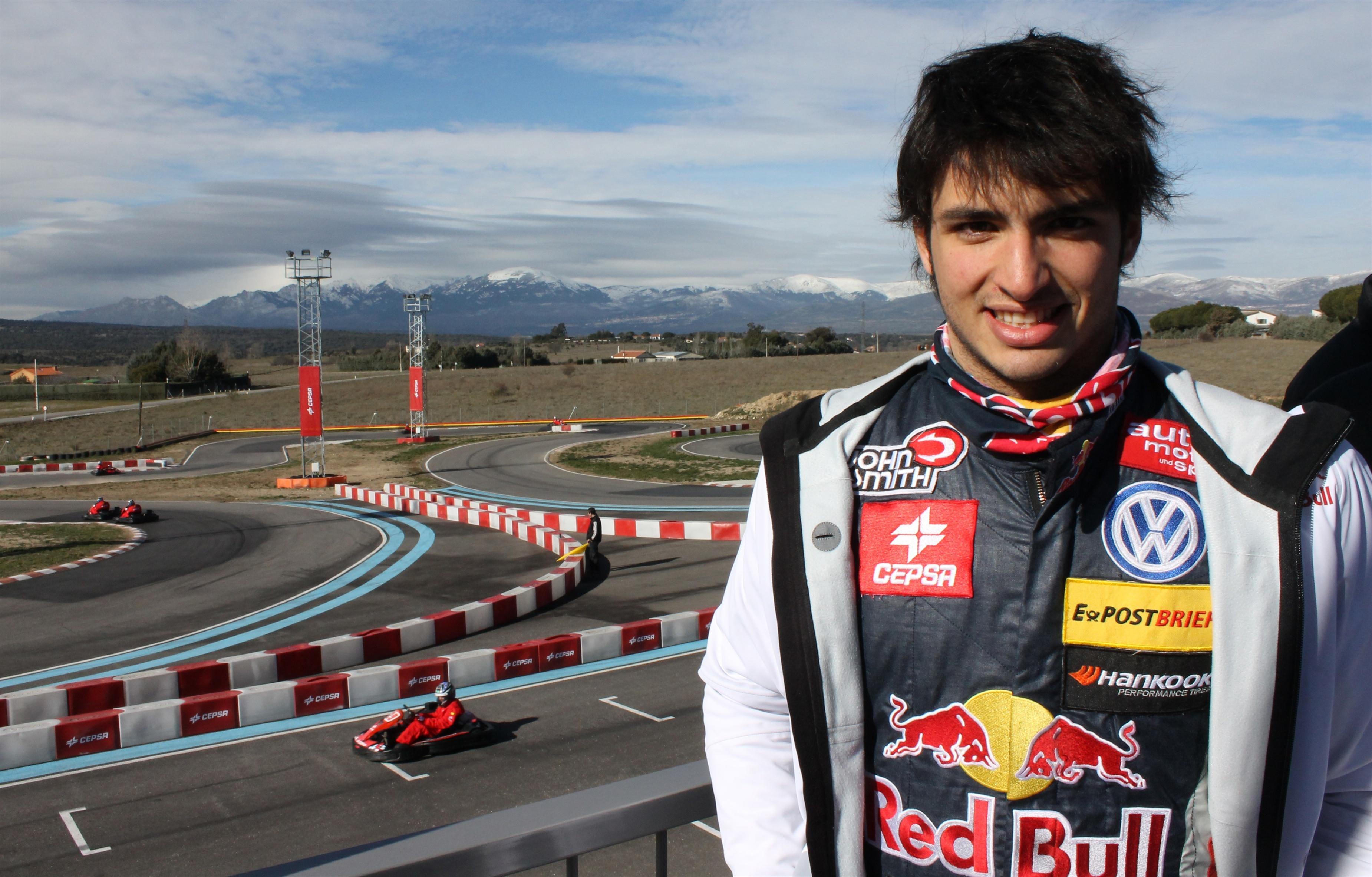 Carlos Sainz Jr sorprende en el segundo día del test de jóvenes pilotos de Silverstone