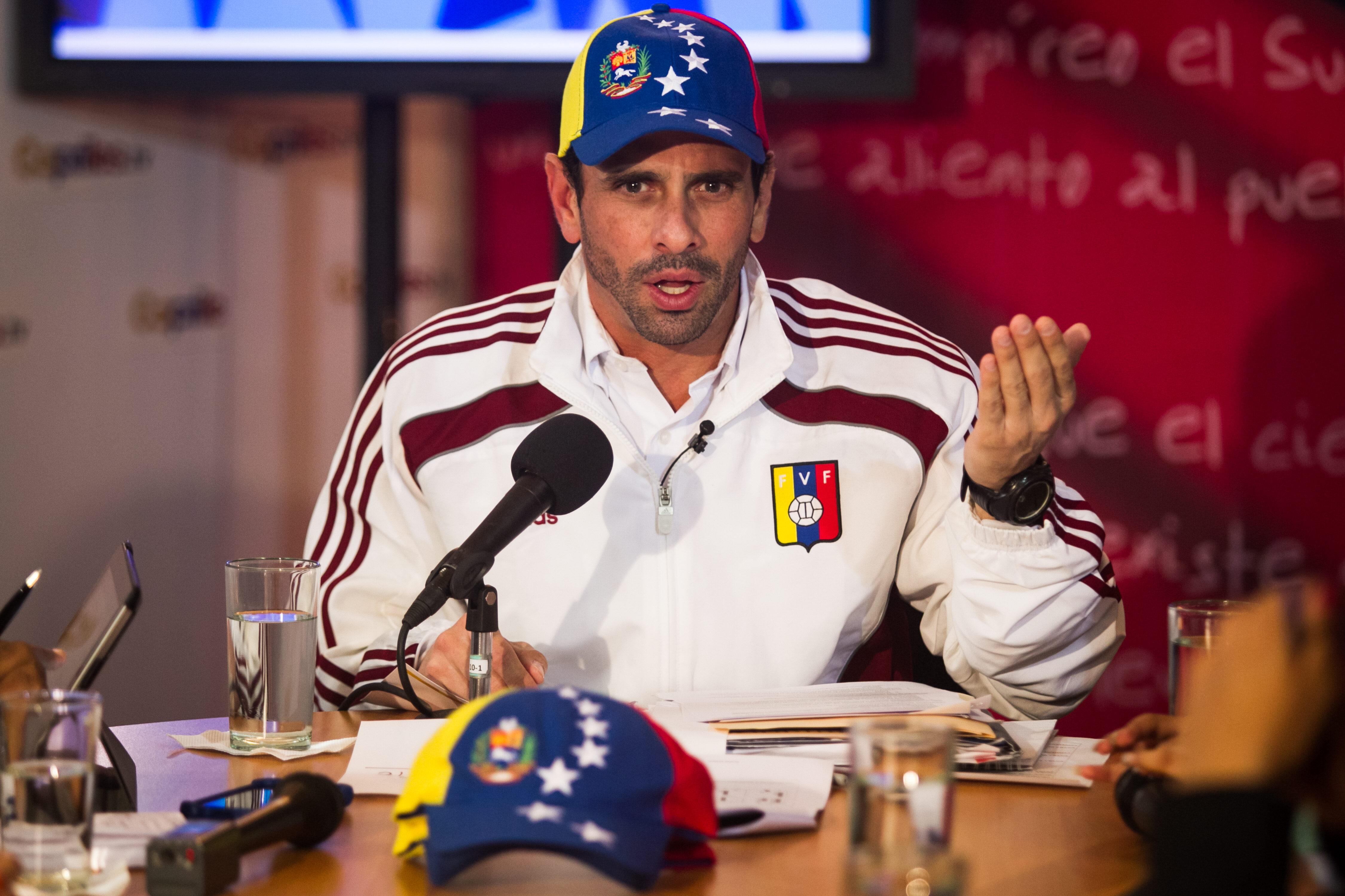 Capriles llega a Chile y confirma cita con Sebastián Piñera