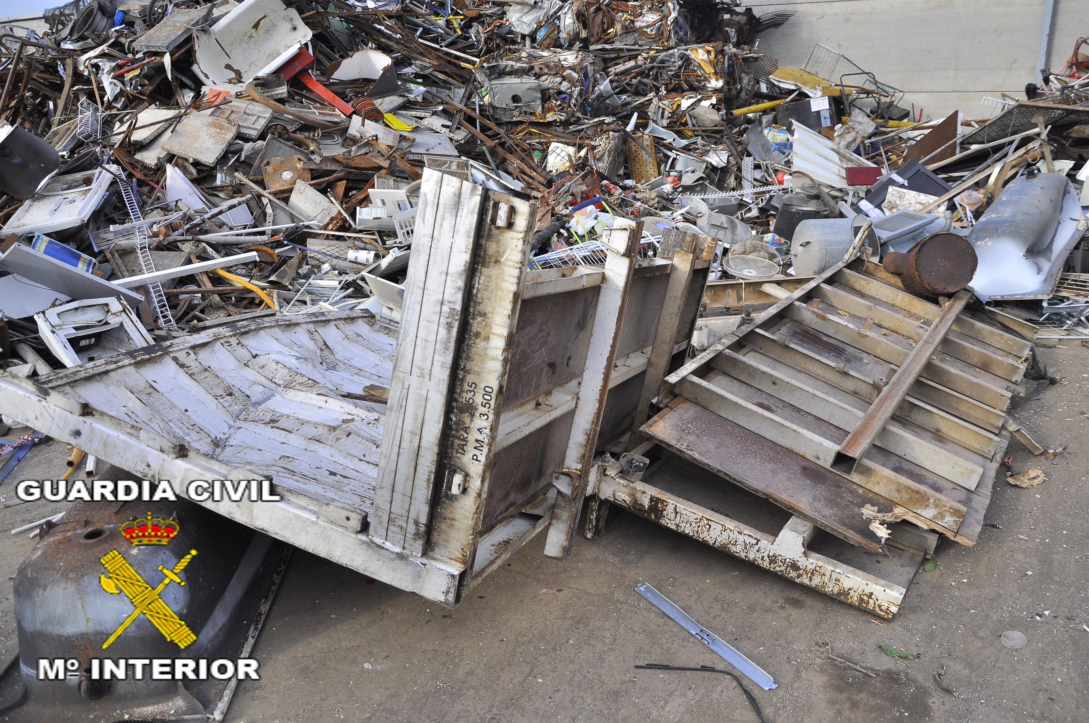 Desmantelado un grupo organizado dedicado al robo de metales y plásticos en Valencia y Castellón