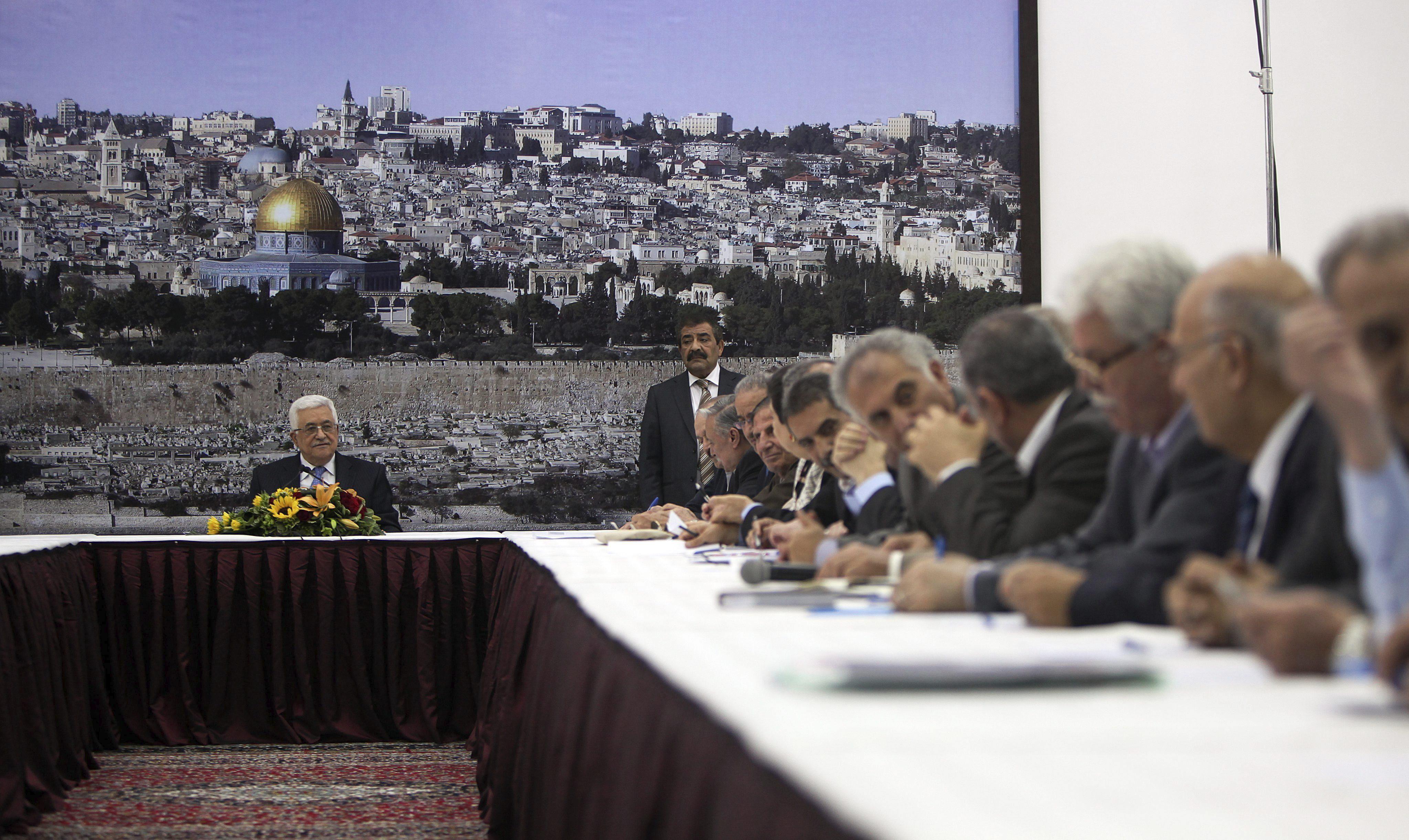 Diferencias en la dirección palestina sobre el reinicio de las negociaciones