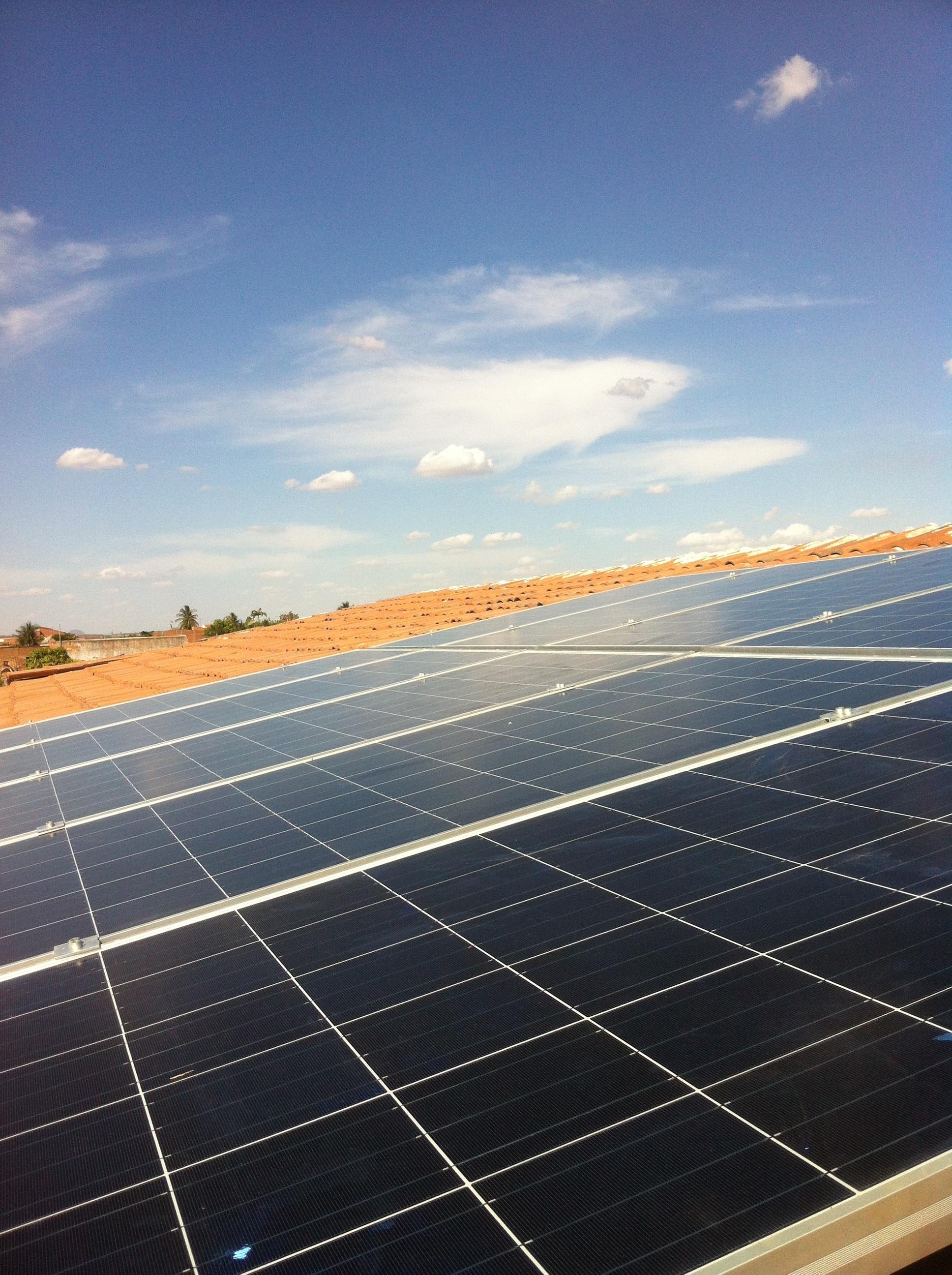 Industria cargará con un «peaje de respaldo» el autoconsumo de electricidad para uso propio