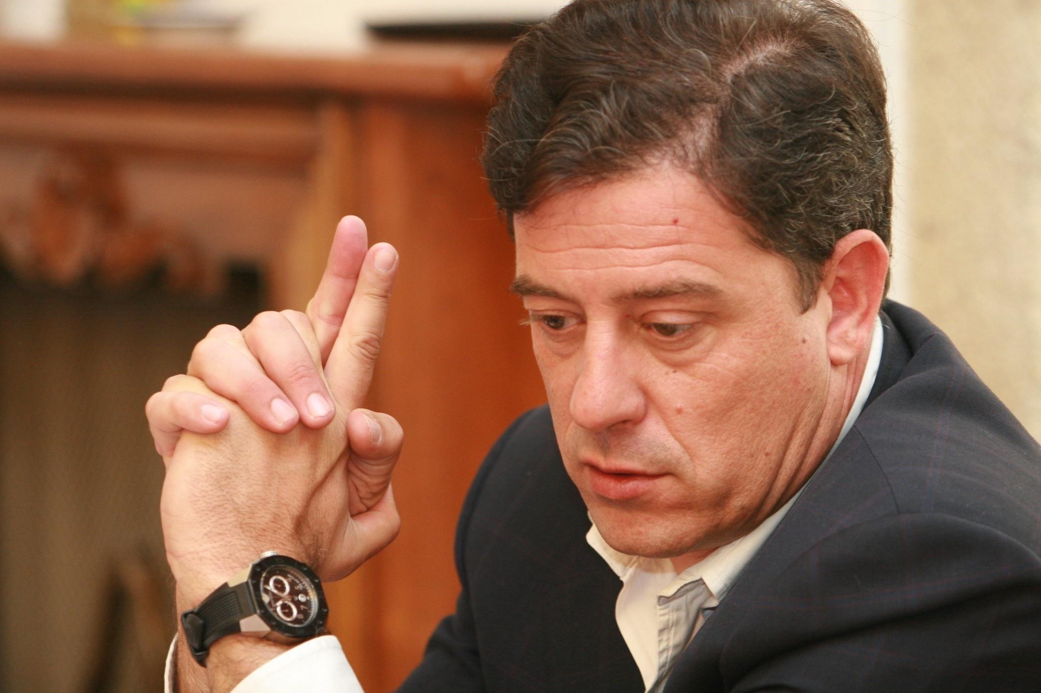 José Blanco se compromete con Besteiro a firmarle el aval para optar a las primarias consultivas del PSdeG