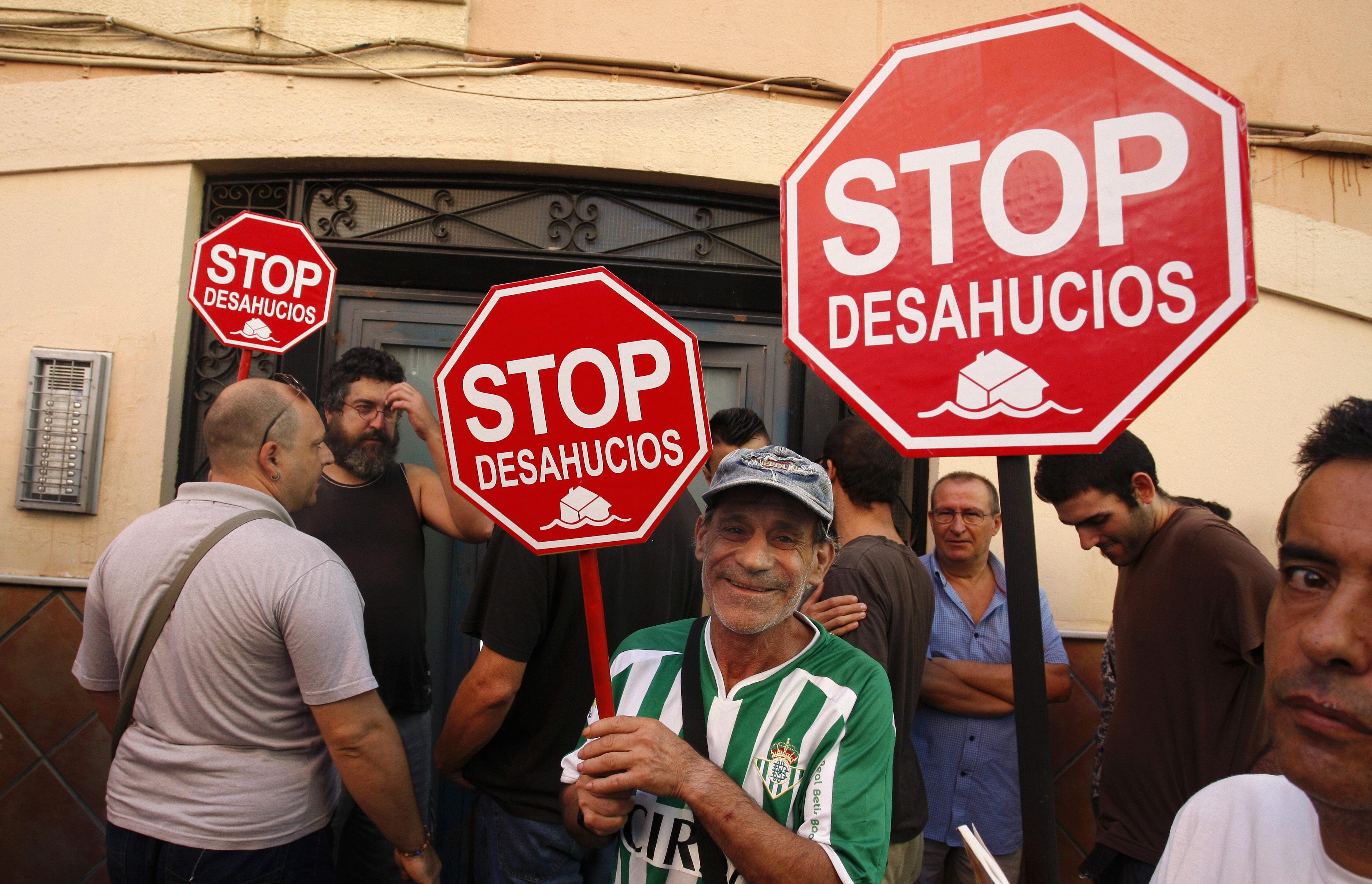 Rubalcaba: Lo constitucional es intentar ayudar a quien va a perder la casa