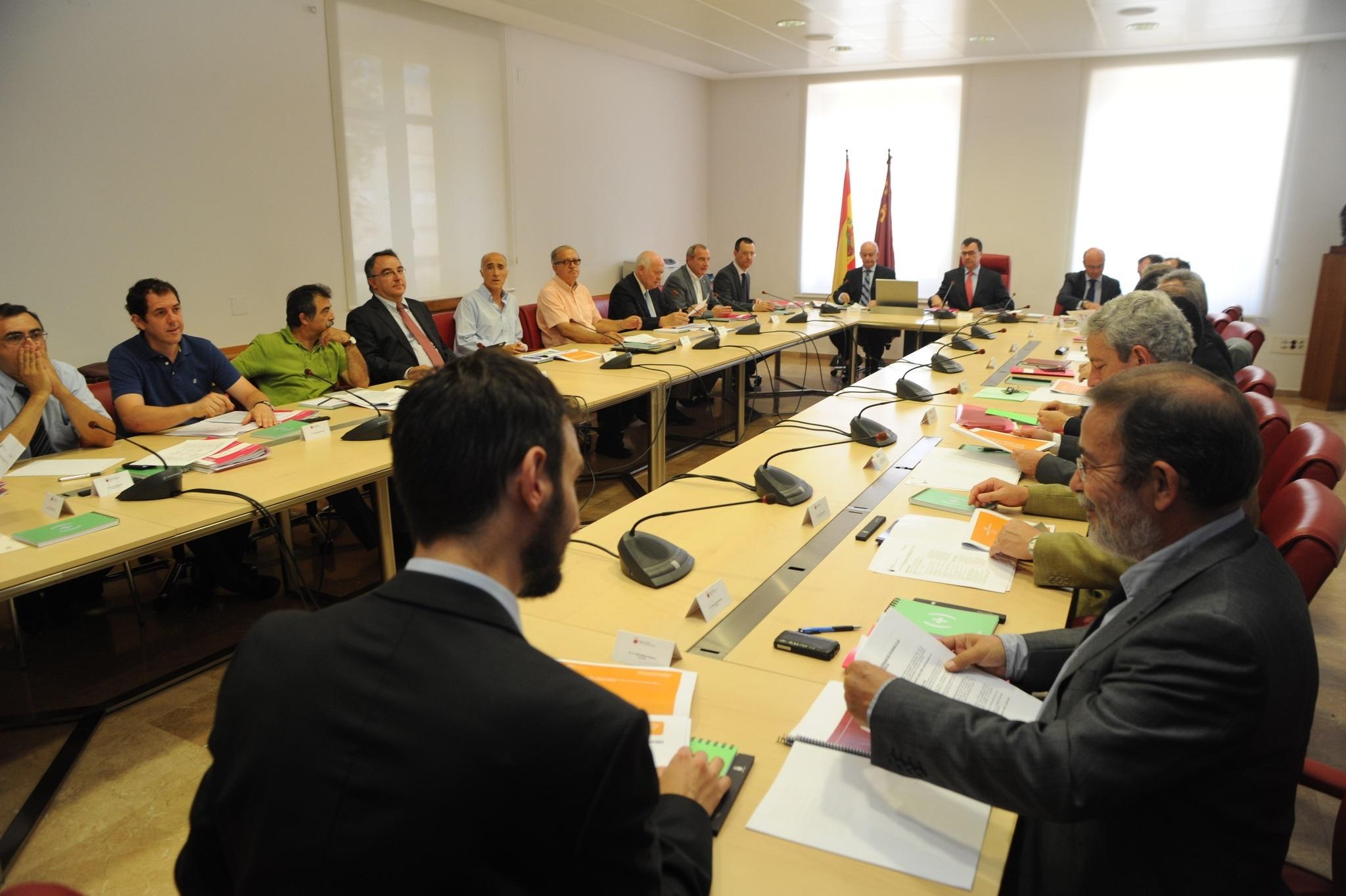 Murcia anuncia ayudas para investigadores líderes que se asienten en la región y creen nuevos grupos científicos