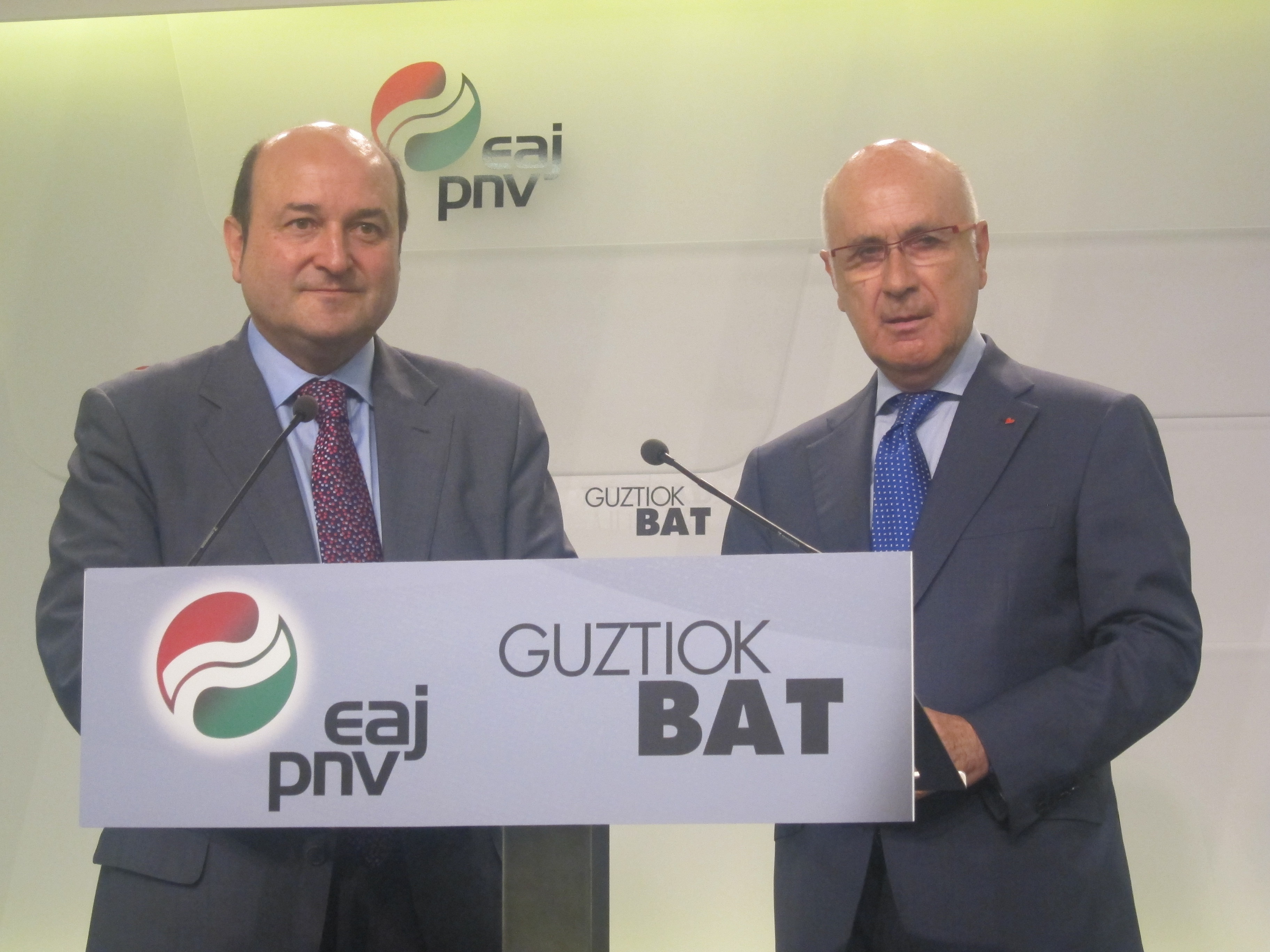 PNV y CiU aseguran que «ha llegado el momento de plantearse otro modelo de Estado» ante «la recentralización» del PP