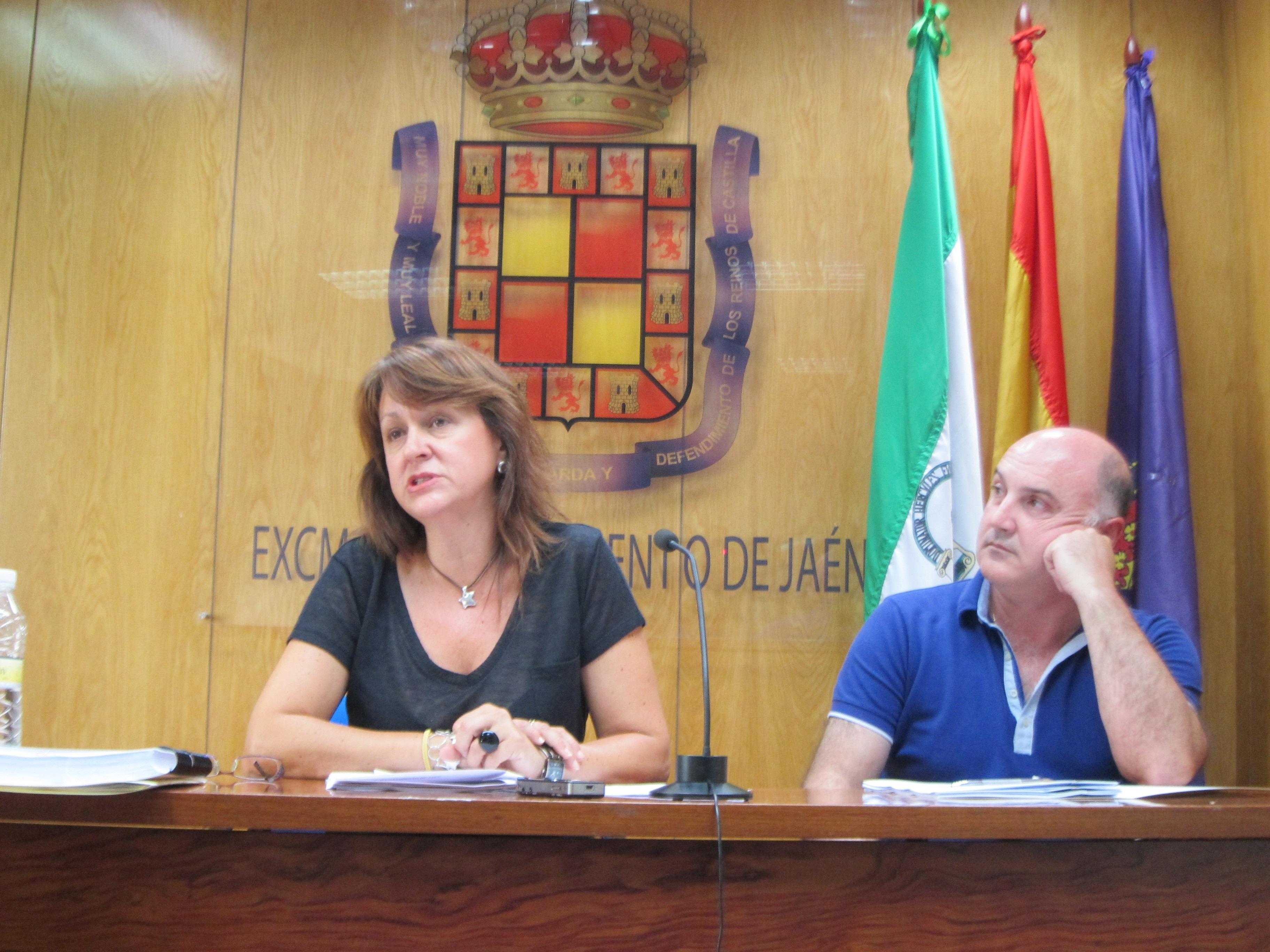 PSOE avisa de que el Ayuntamiento «incumple» el plan de ajuste y «ha dejado sin pagar en un año unos 80 millones»