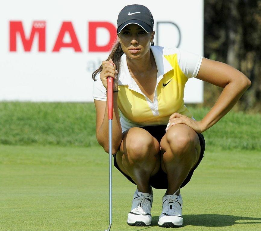 Woods lidera el Open de España con la española Tania Elósegui en segunda posición