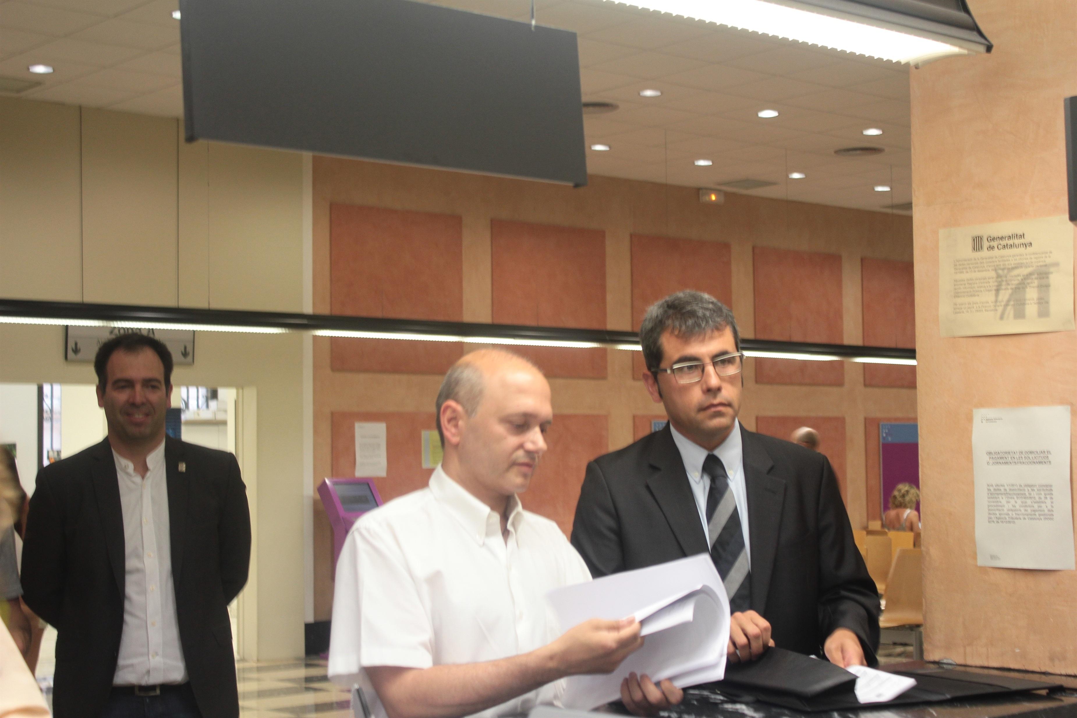 Diez municipios catalanes presentan sus impuestos en la Agencia Tributaria de Cataluña