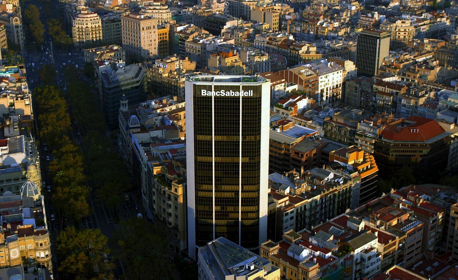 Banco Sabadell se hace con el 100% de Mediterráneo Vida tras comprar a Aegon el 50% por 449,5 millones