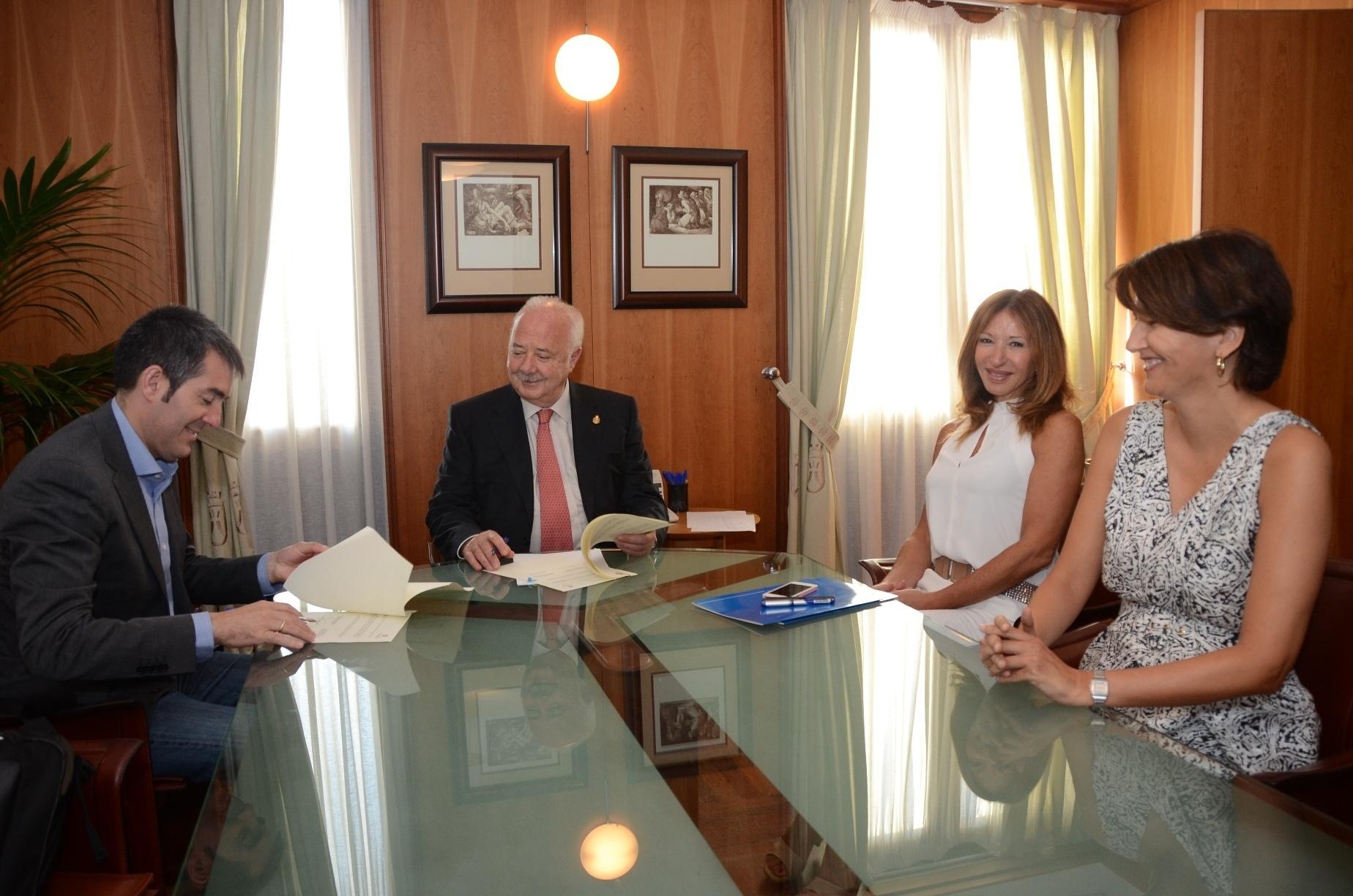 El Cabildo de Tenerife asume la defensa jurídica del Ayuntamiento de La Laguna