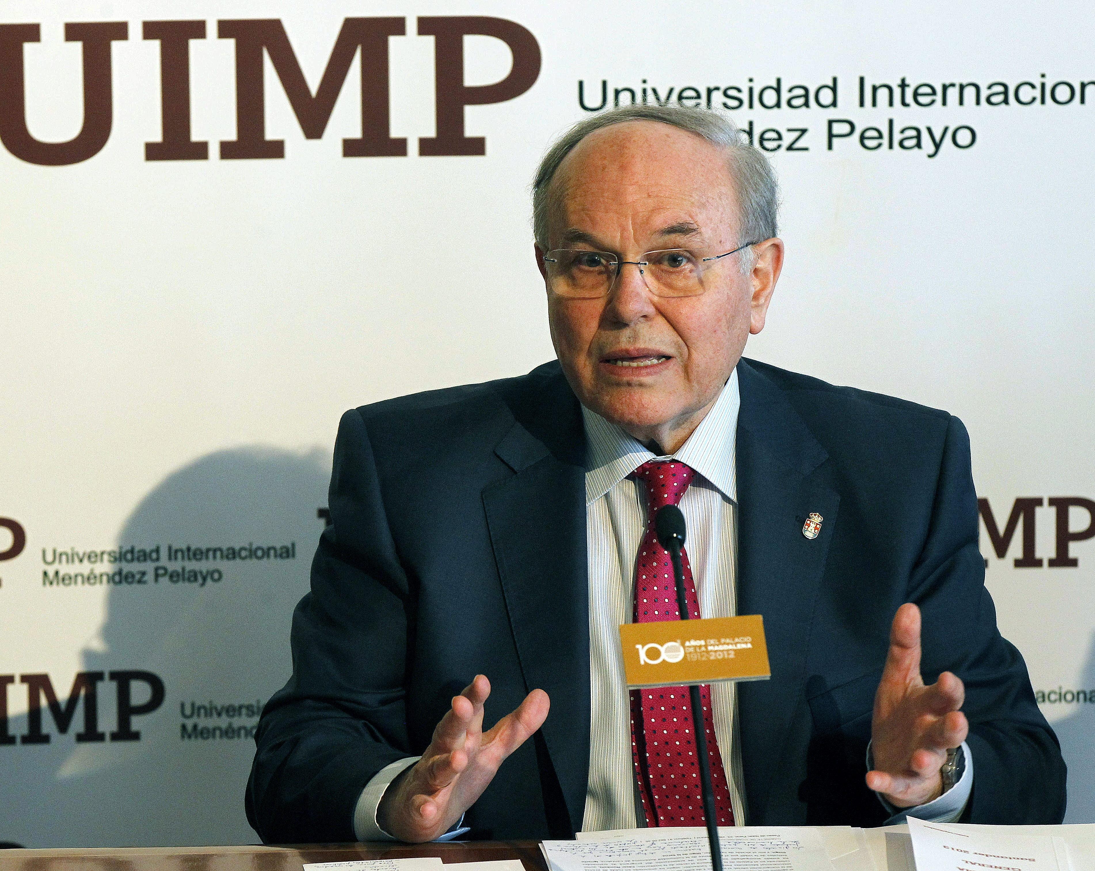 El hispanista Ciriaco Morón gana el XXVII Premio Internacional Menéndez Pelayo