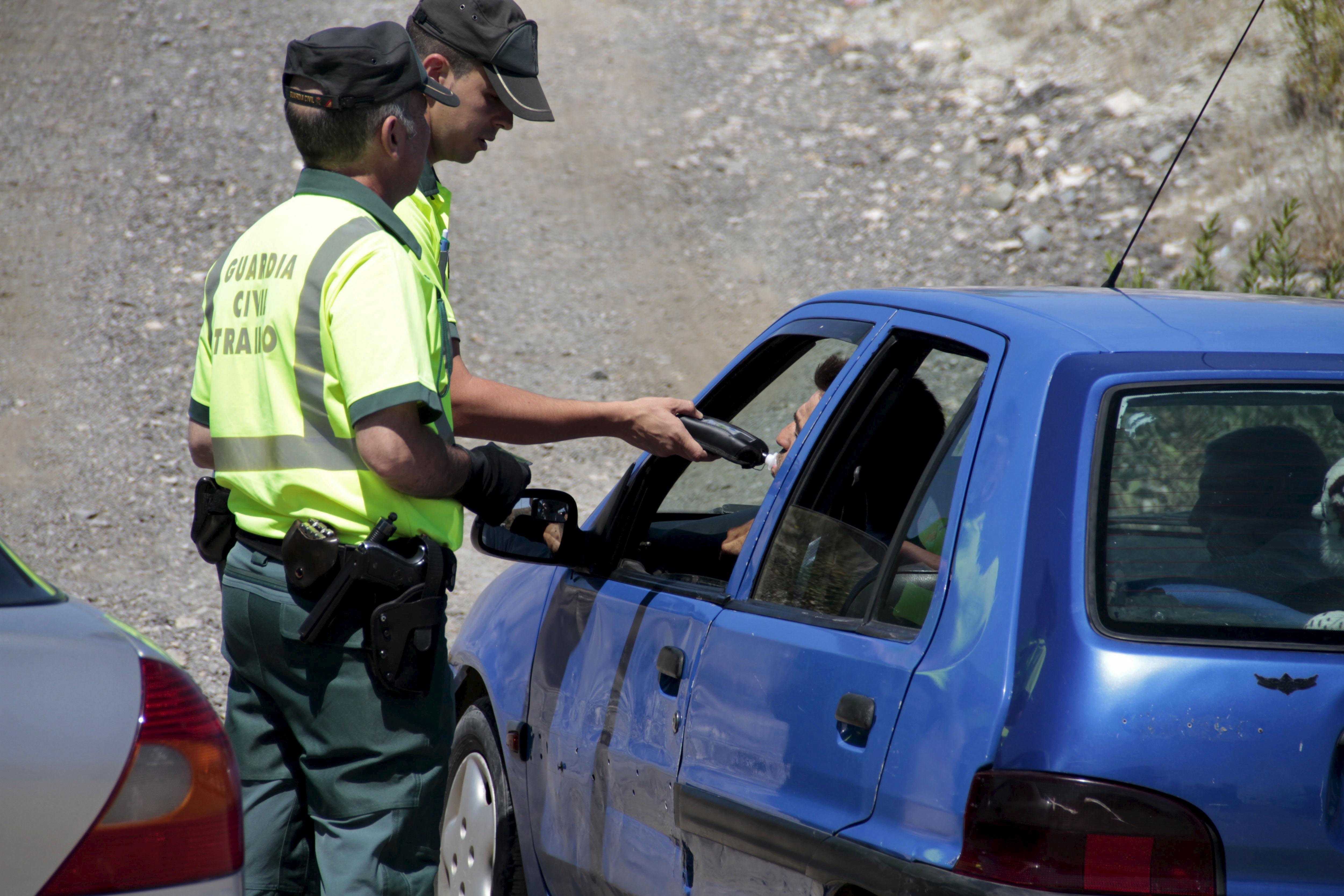 Denunciados 2.800 conductores en una semana por consumir alcohol y drogas