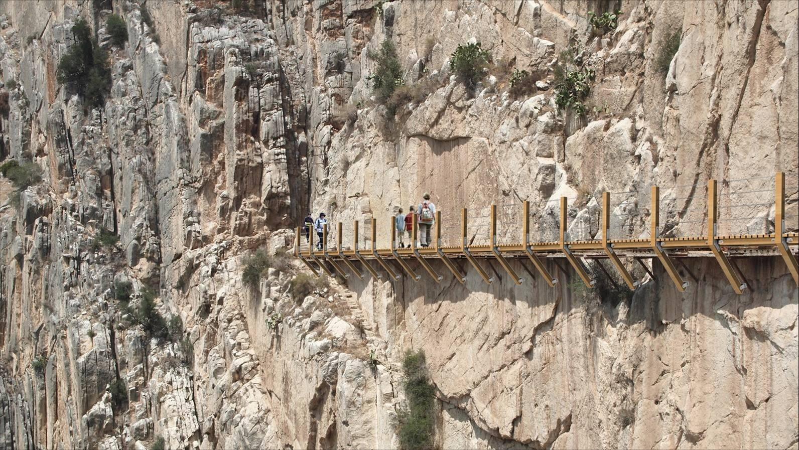 La Diputación destinará 3 millones para la nueva pasarela del Caminito del Rey, que estará en 2015