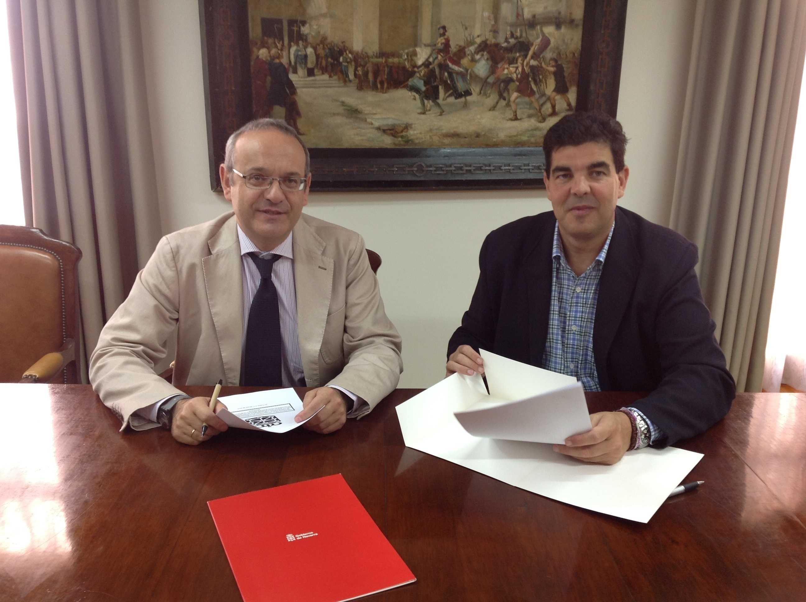 El Gobierno de Navarra y el Ayuntamiento de Tudela firman un convenio para fomentar el uso del transporte público