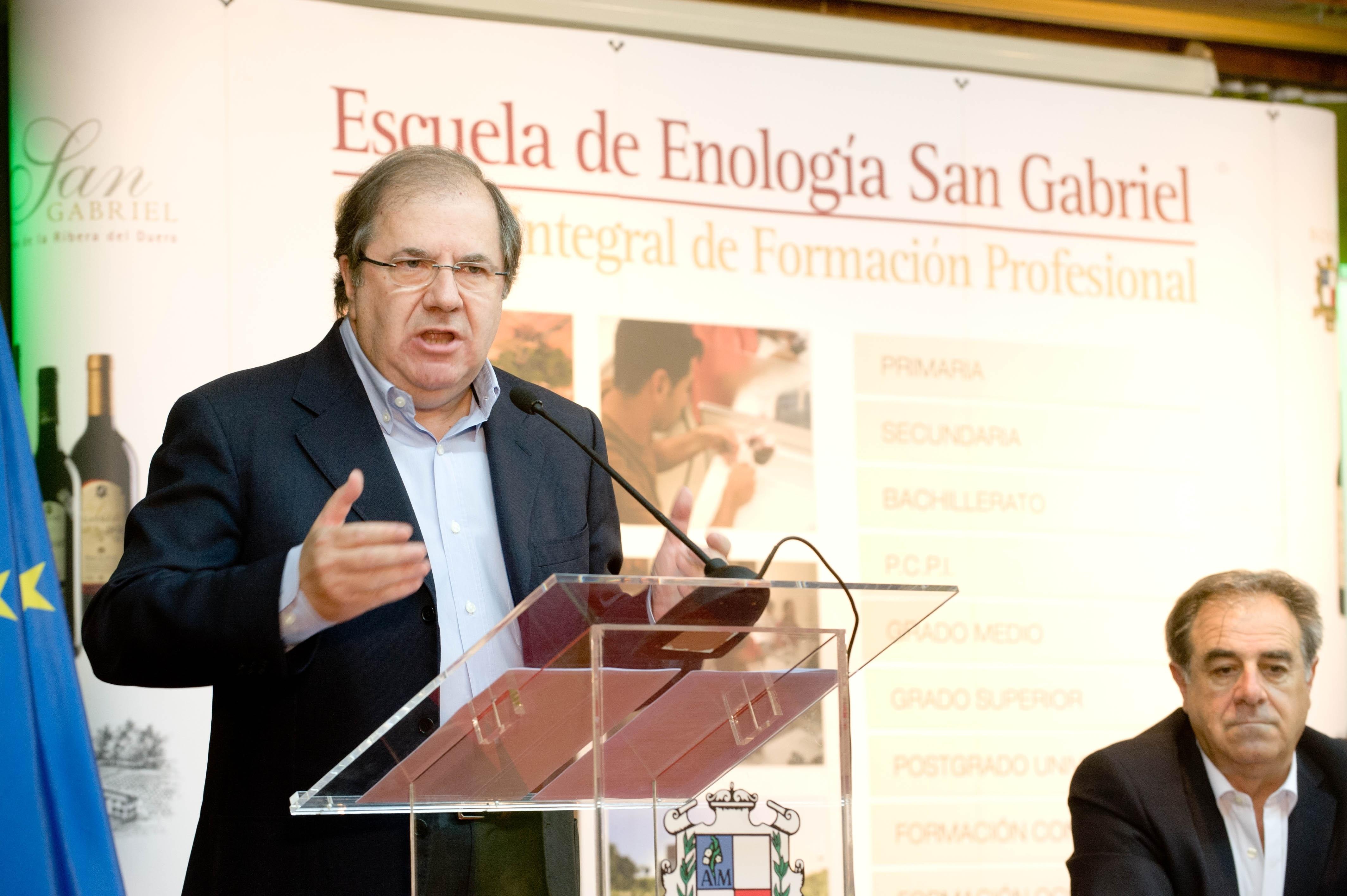 Herrera cree que la transparencia pública es irrenunciable en sociedades avanzadas y aboga por la regeneración política