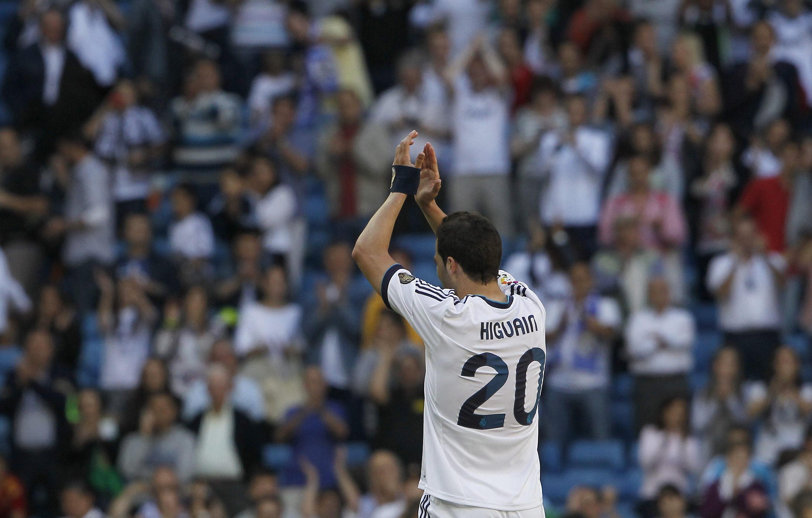 Higuaín tiene muchos pretendientes pero al Madrid no le seducen