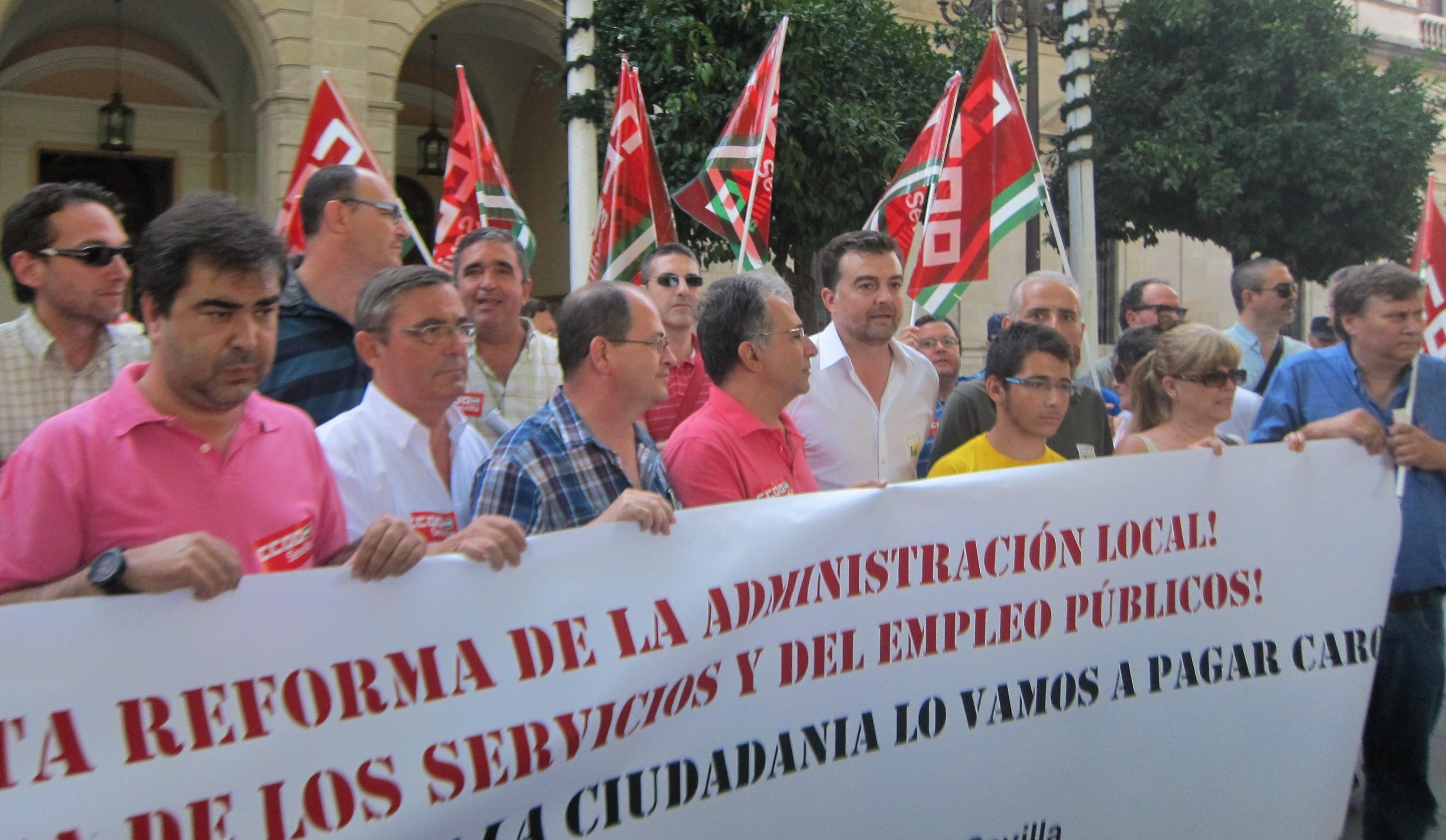 Maíllo advierte de que septiembre y octubre serán «meses calientes» si el Gobierno aprueba la reforma local