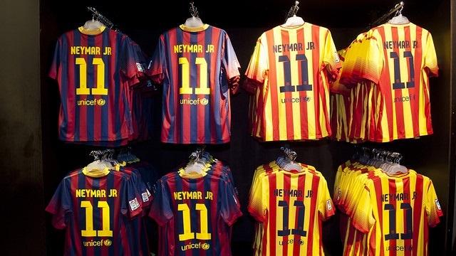 Neymar se queda con el dorsal »11» de Thiago