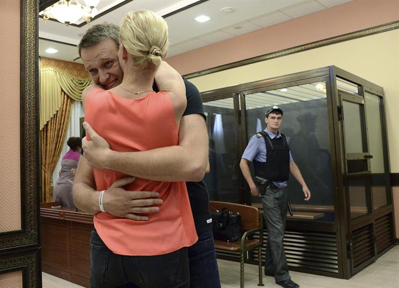 El opositor ruso Alexéi Navalni, puesto en libertad en una decisión sin precedentes