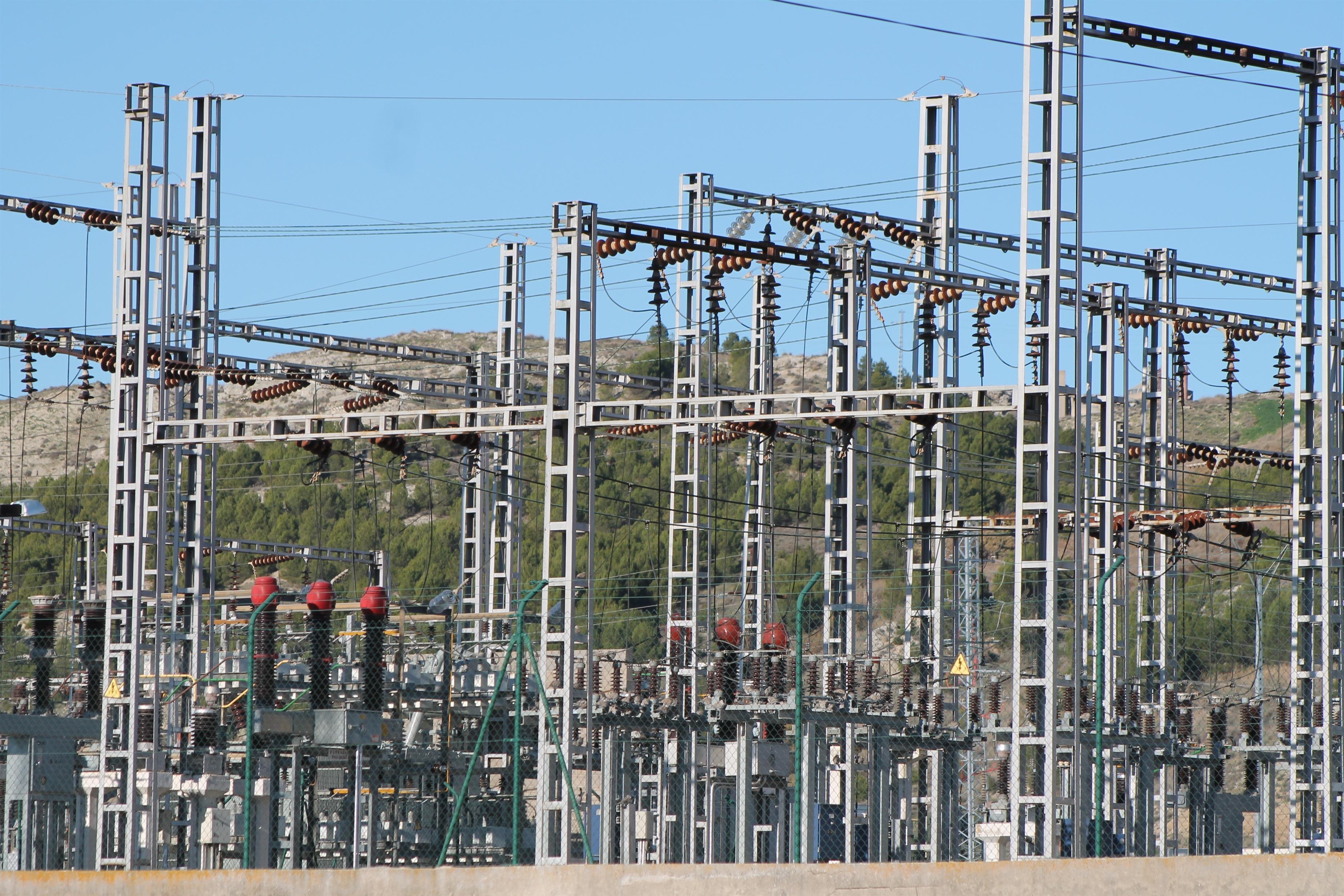 El PP de Cáceres avala la reforma energética por afrontar el déficit tarifario pero critica «las formas y el contenido»